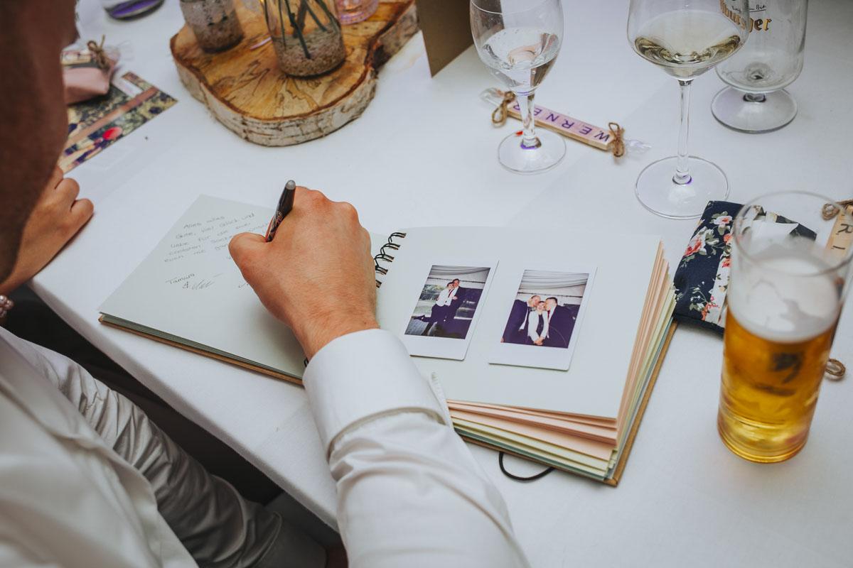 Silke + Clemens | Freie Trauung auf Gut Hohenholz - Fotografin Guelten Hamidanoglu Koeln Hochzeiten Hochzeitsfotos  610 1
