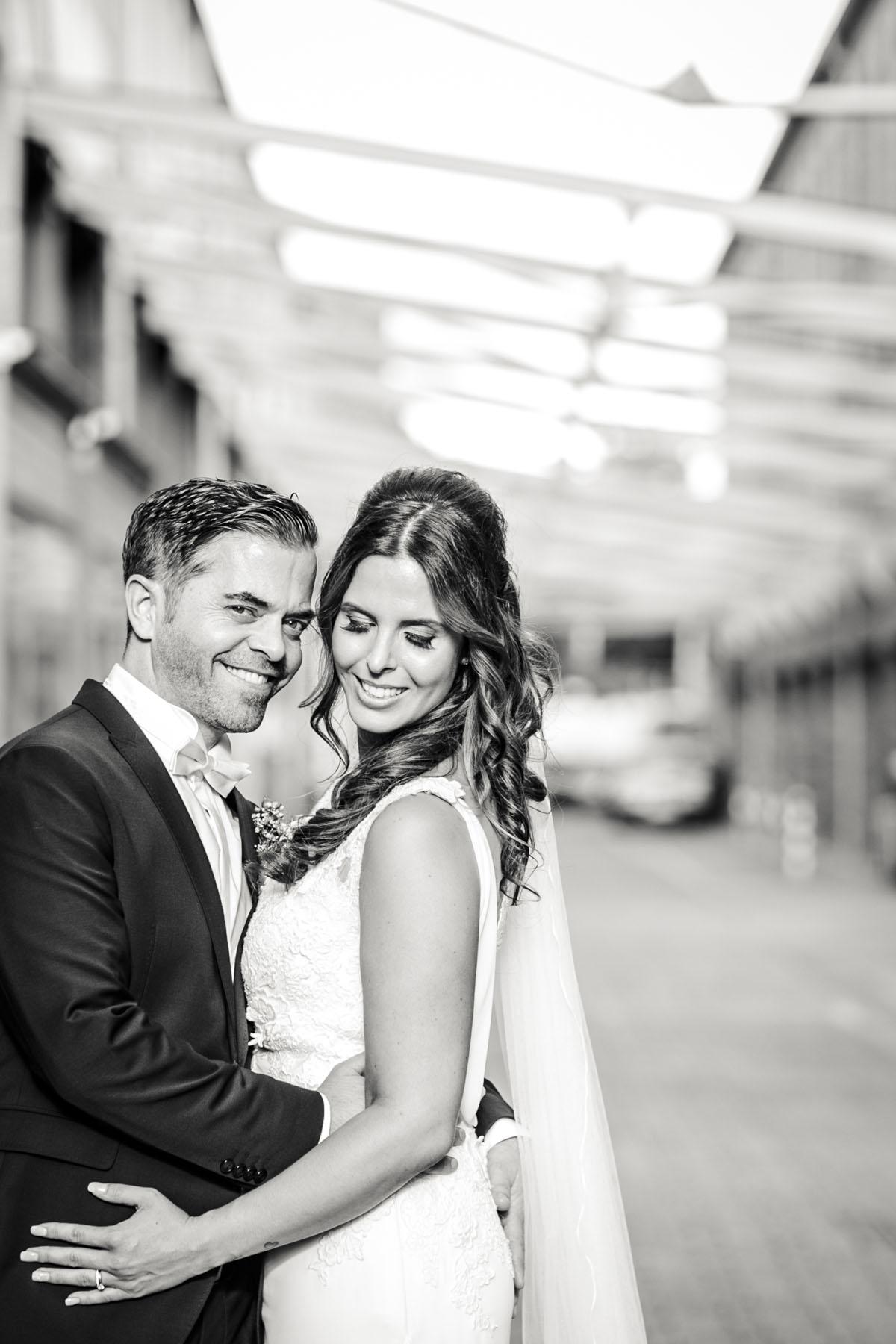 Janine+ Boris | Wir überraschen unsere Hochzeitsgäste mit dem bauwerk in Köln - Fotografin Guelten Hamidanoglu Koeln Hochzeiten Hochzeitsfotos  615
