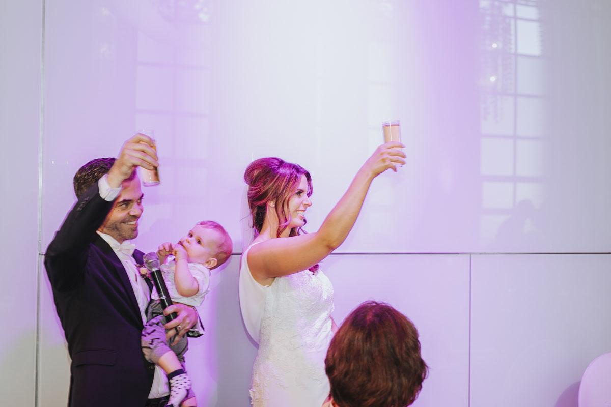 Janine+ Boris | Wir überraschen unsere Hochzeitsgäste mit dem bauwerk in Köln - Fotografin Guelten Hamidanoglu Koeln Hochzeiten Hochzeitsfotos  661