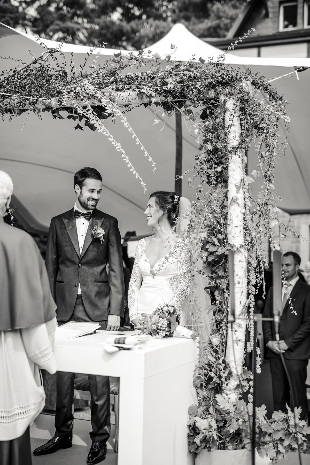 Alica+ Carsten | Freie Trauung im eigenen Garten - Fotografin Guelten Hamidanoglu Koeln Hochzeiten Hochzeitsfotos  67