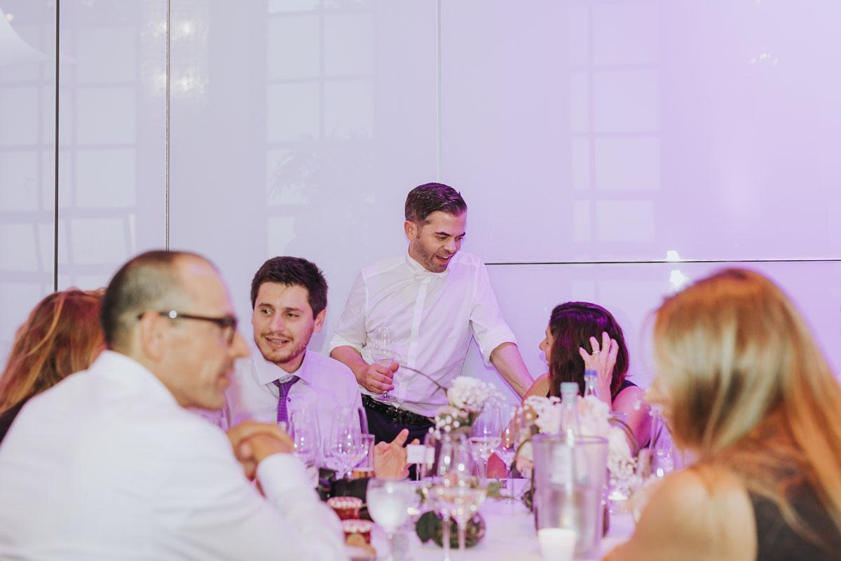 Janine+ Boris | Wir überraschen unsere Hochzeitsgäste mit dem bauwerk in Köln - Fotografin Guelten Hamidanoglu Koeln Hochzeiten Hochzeitsfotos  680