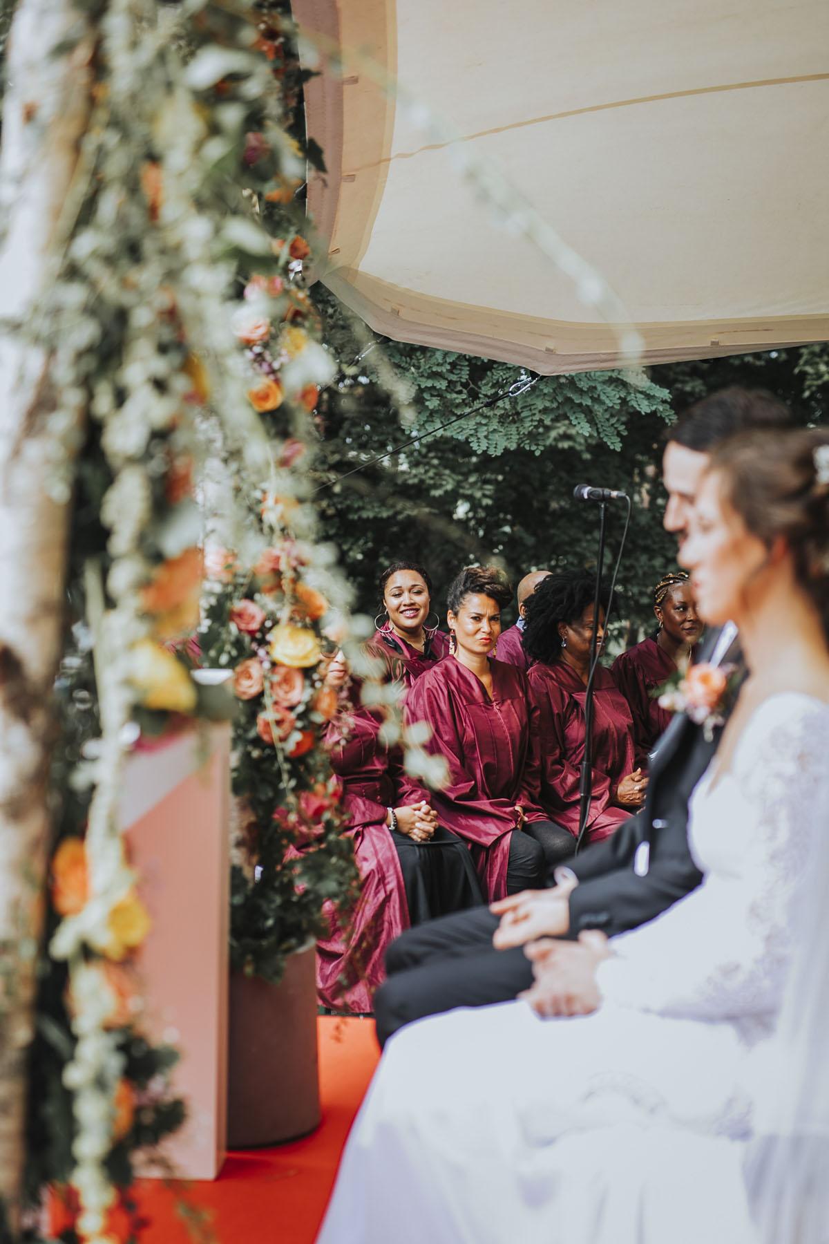 Alica+ Carsten | Freie Trauung im eigenen Garten - Fotografin Guelten Hamidanoglu Koeln Hochzeiten Hochzeitsfotos  76