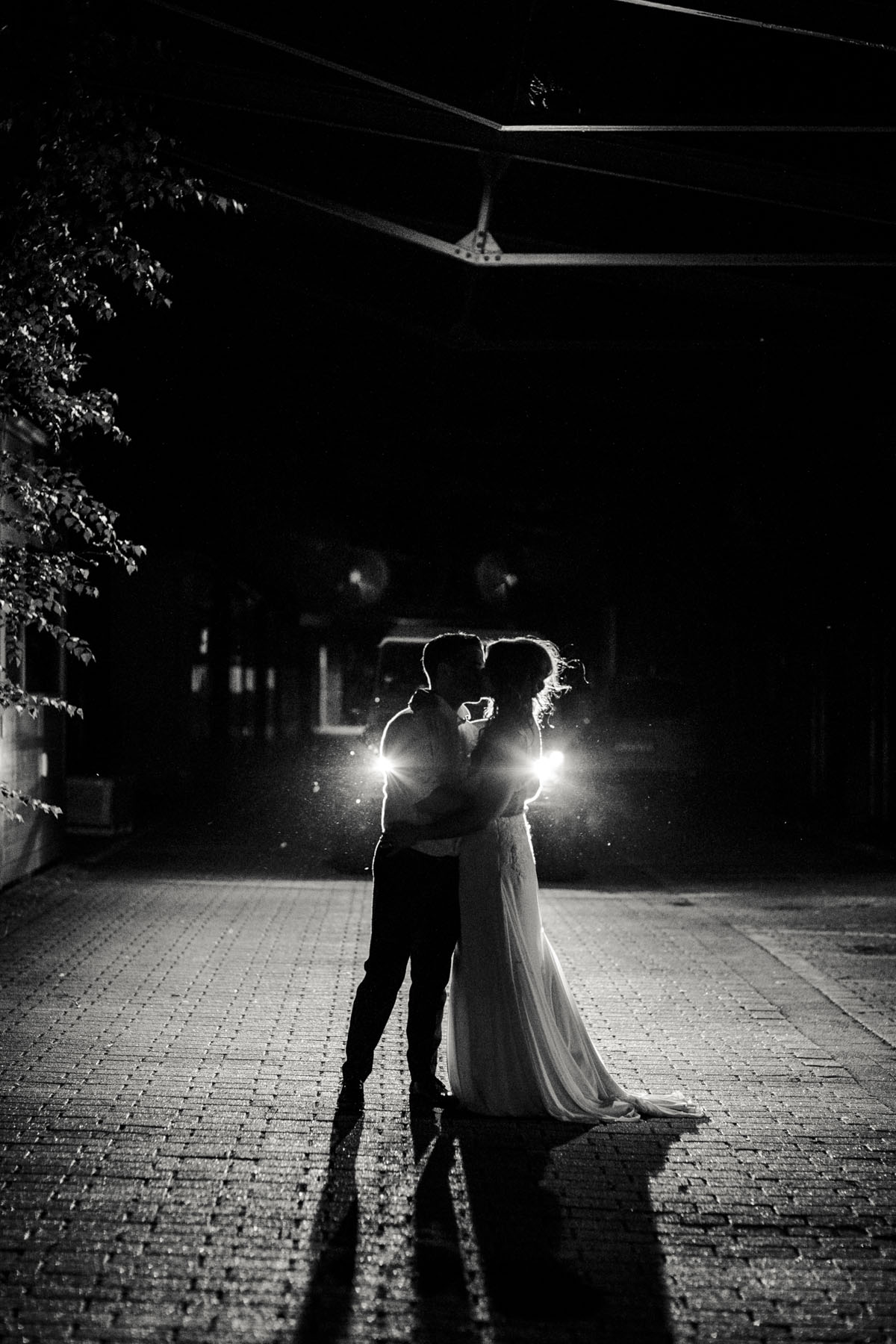 Janine+ Boris | Wir überraschen unsere Hochzeitsgäste mit dem bauwerk in Köln - Fotografin Guelten Hamidanoglu Koeln Hochzeiten Hochzeitsfotos  781