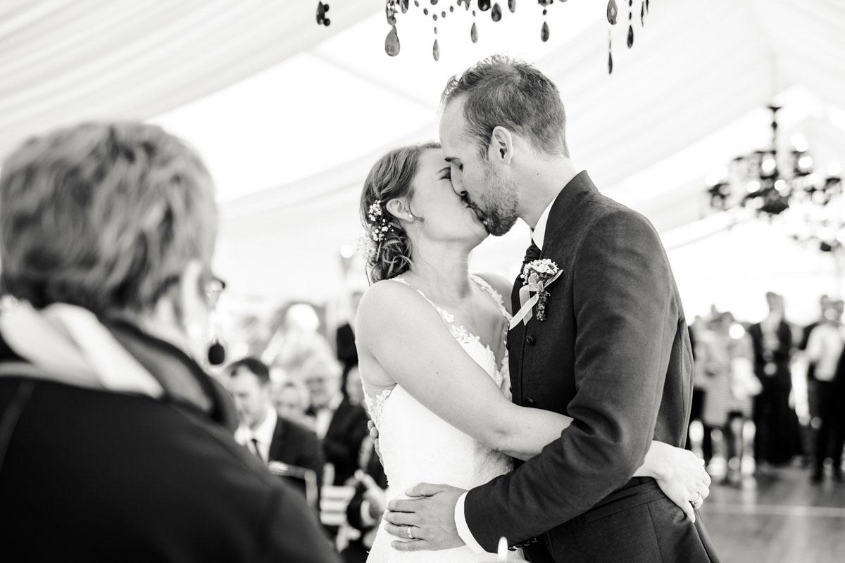 Silke + Clemens | Freie Trauung auf Gut Hohenholz - Fotografin Guelten Hamidanoglu Koeln Hochzeiten Hochzeitsfotos  89