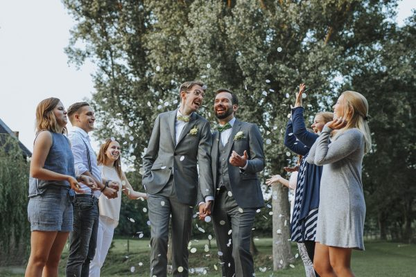Benni + Thomas | Hurra, die Ehe für alle ist da! - Fotografin Guelten Hamidanoglu Koeln Hochzeiten Hochzeitsfotos Titel 3 600x400