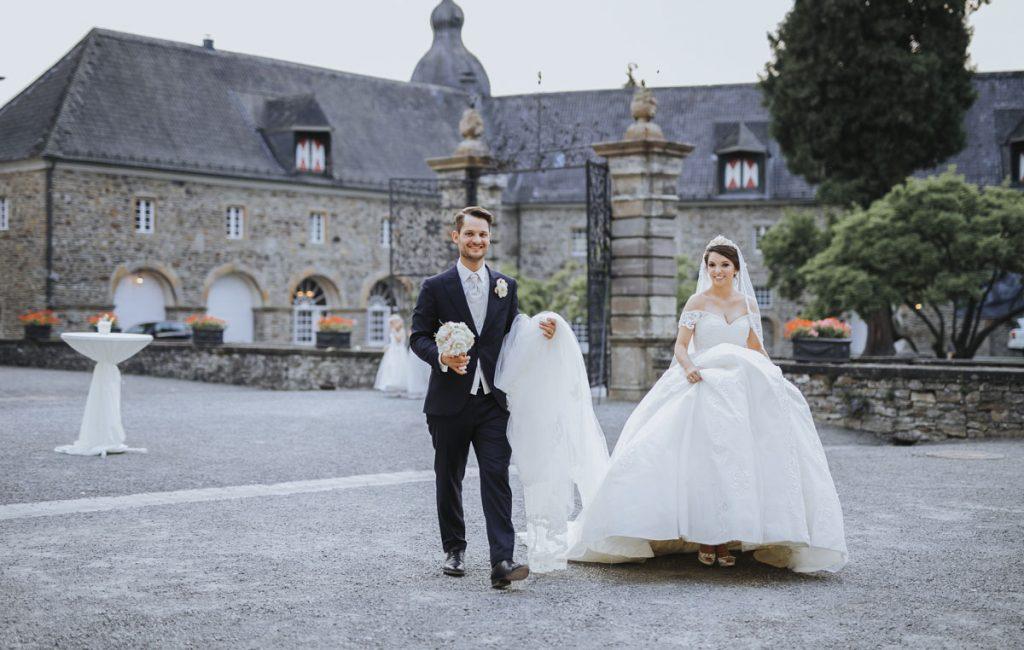 Patricia + Tom | Prinzessinnenhochzeit auf Ehreshoven
