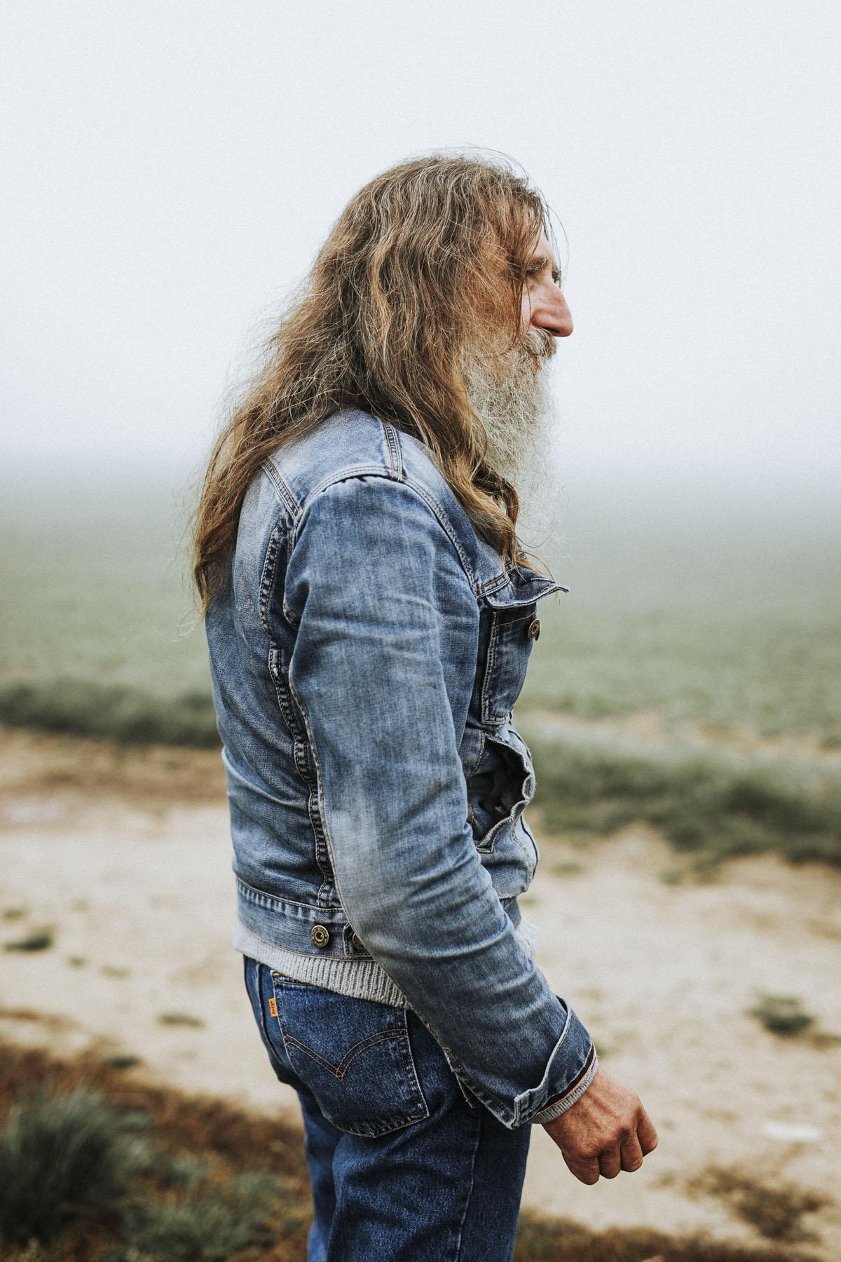 Siegfried Hartl | Der schöne Mann im Nebel - Fotografin Guelten Hamidanoglu Koeln Portraits  2584