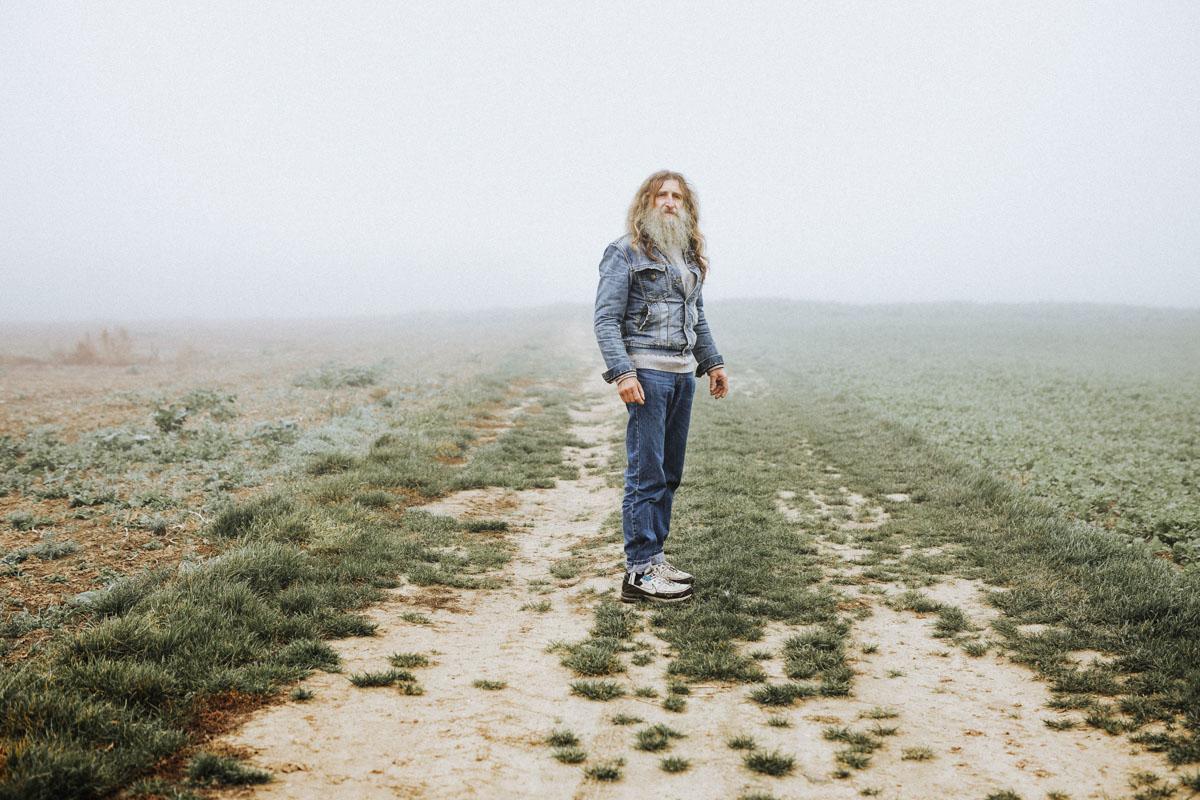 Siegfried Hartl | Der schöne Mann im Nebel - Fotografin Guelten Hamidanoglu Koeln Portraits  2587