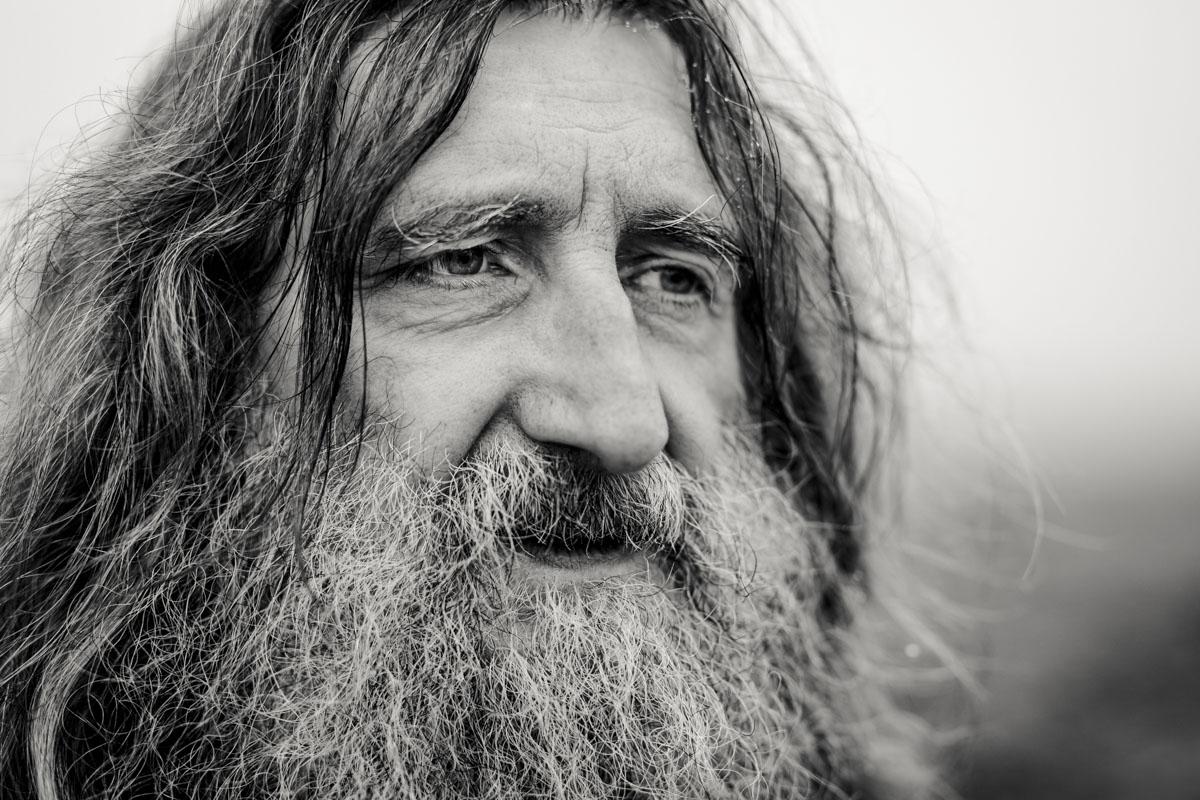Siegfried Hartl | Der schöne Mann im Nebel - Fotografin Guelten Hamidanoglu Koeln Portraits  2619