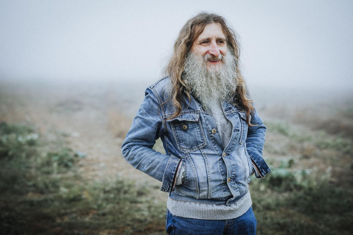 Siegfried Hartl | Der schöne Mann im Nebel - Fotografin Guelten Hamidanoglu Koeln Portraits  2704