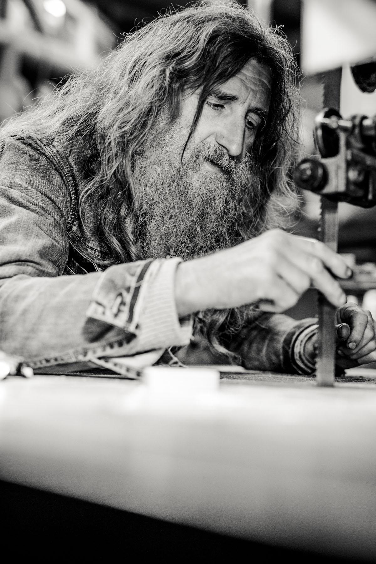 Siegfried Hartl | Der schöne Mann im Nebel - Fotografin Guelten Hamidanoglu Koeln Portraits  2776
