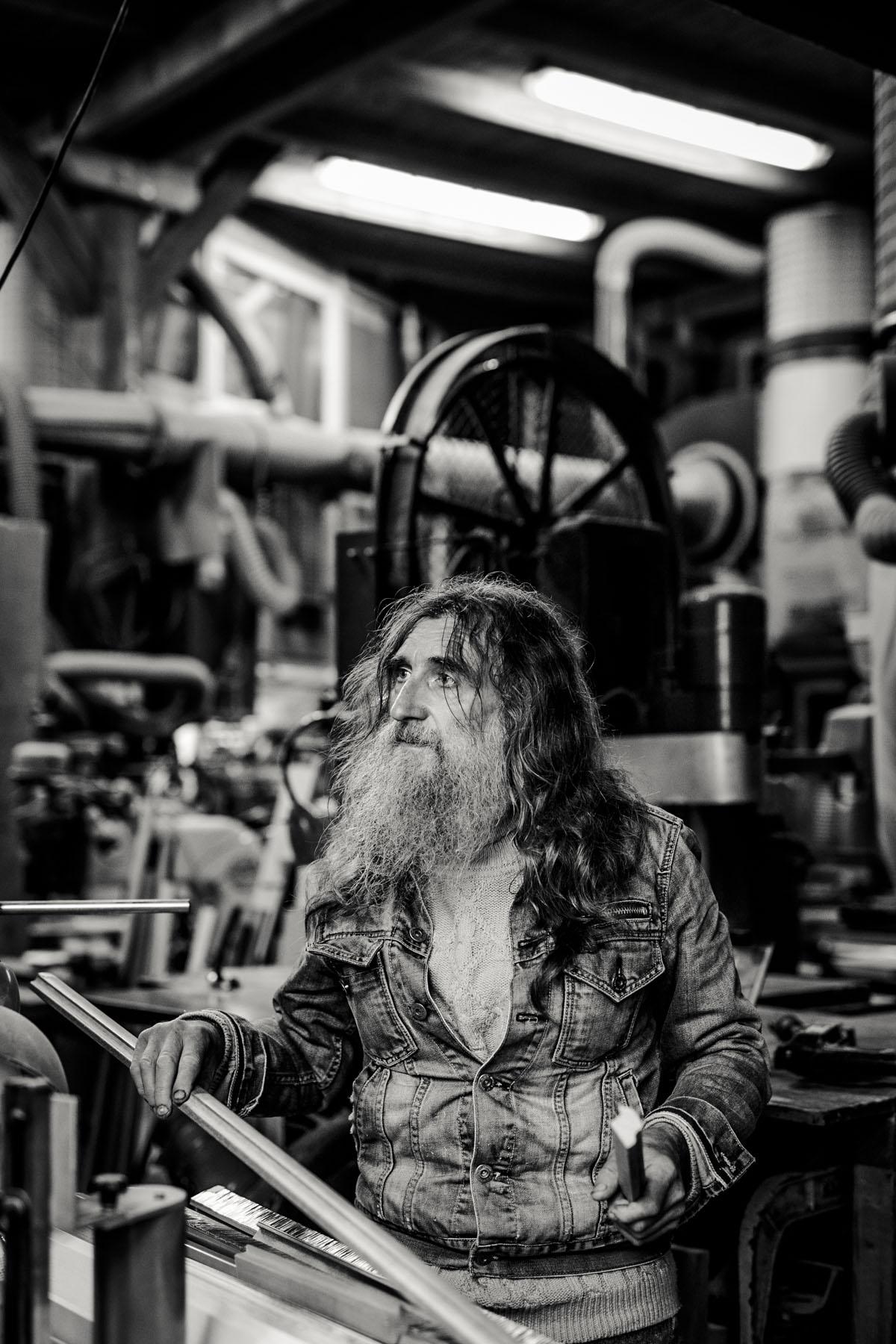 Siegfried Hartl | Der schöne Mann im Nebel - Fotografin Guelten Hamidanoglu Koeln Portraits  2787
