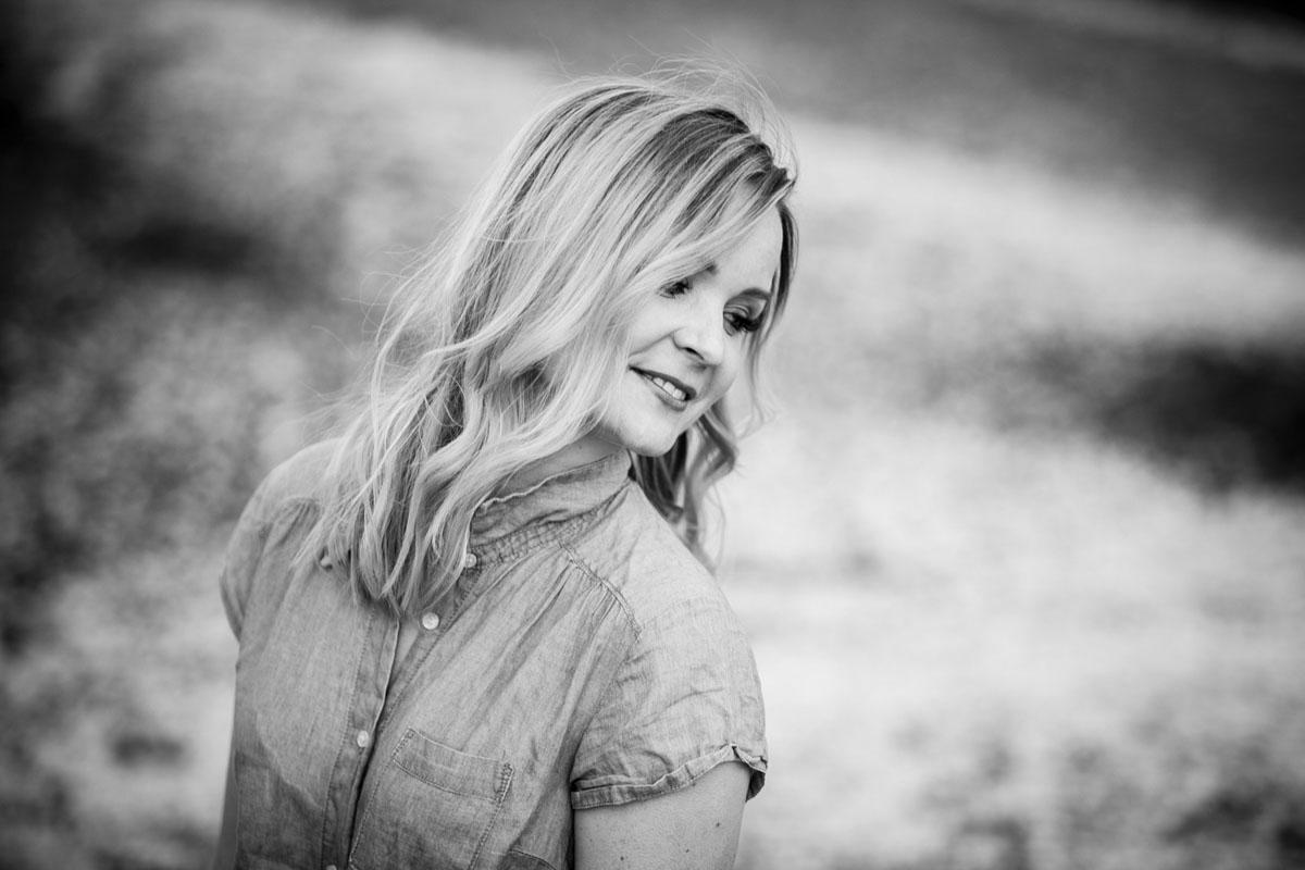Sonja - Ein Portraitshooting zum Geburtstag - Fotografin Guelten Hamidanoglu Koeln portraits  2 3 2