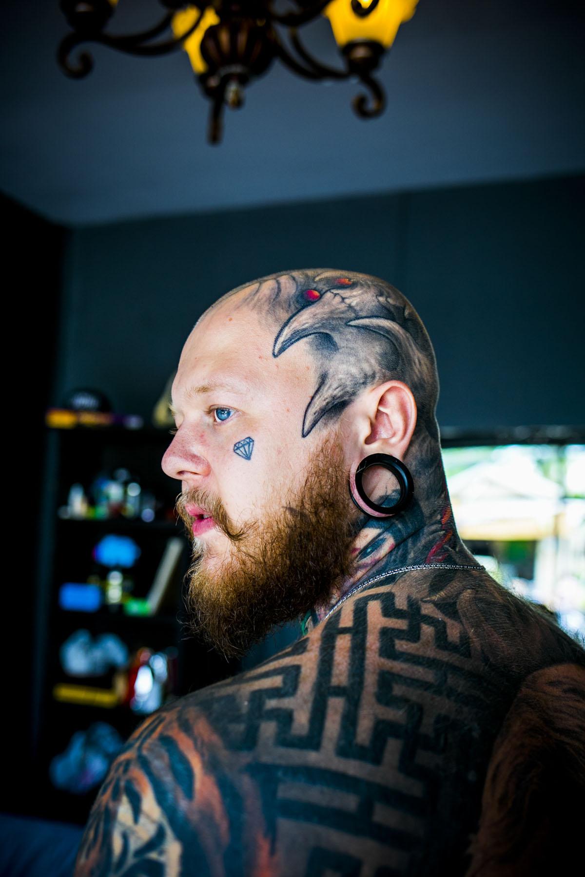 Bogatyr Tattoo in Thailand - Fotografin Guelten Hamidanoglu Koeln portraits  3844