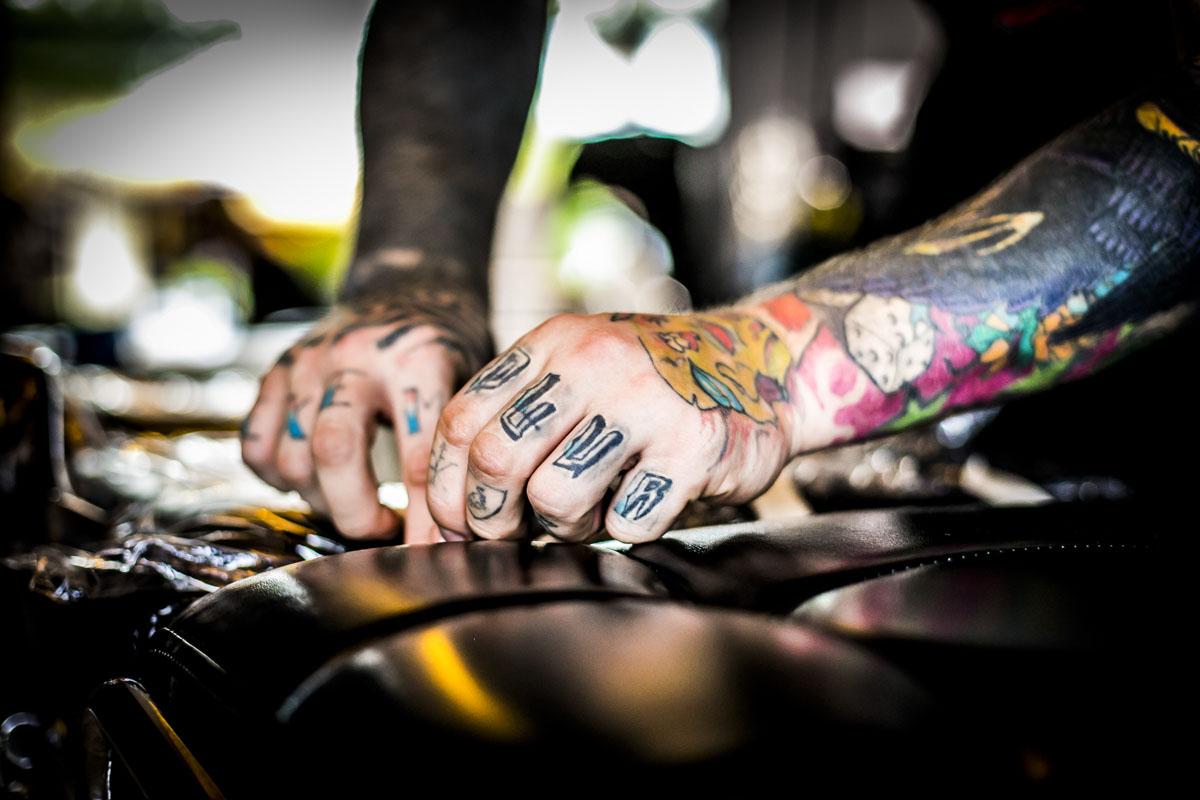 Bogatyr Tattoo in Thailand - Fotografin Guelten Hamidanoglu Koeln portraits  3911