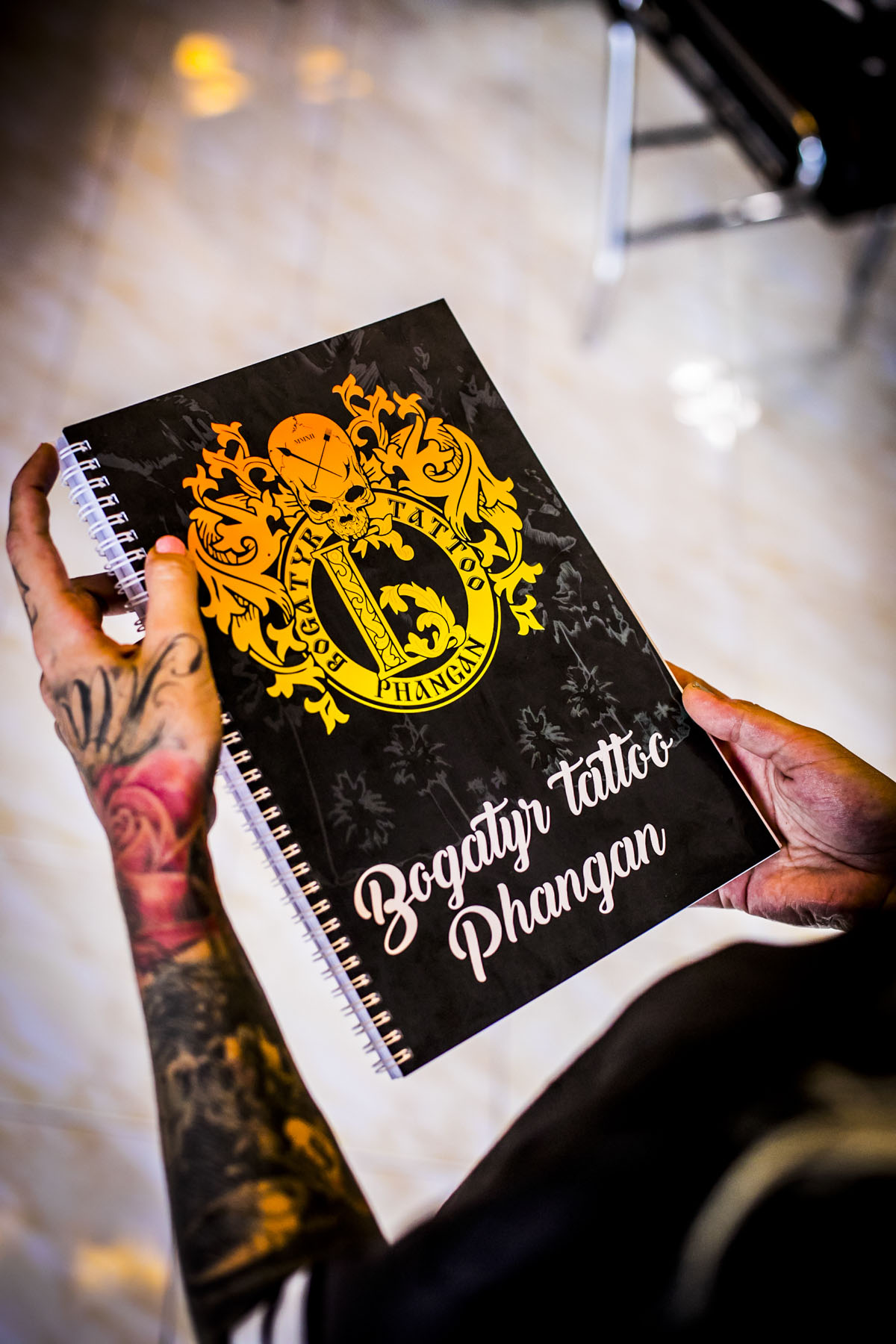 Bogatyr Tattoo in Thailand - Fotografin Guelten Hamidanoglu Koeln portraits  3987