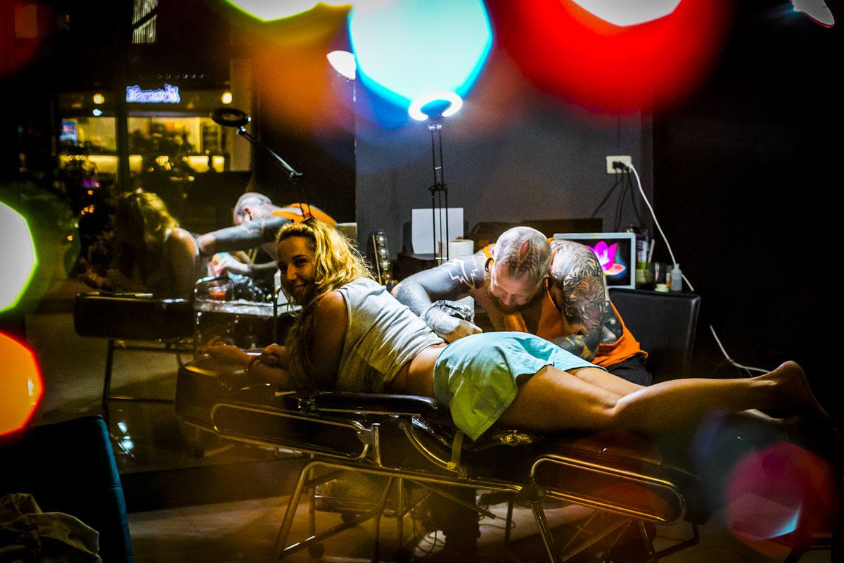 Bogatyr Tattoo in Thailand - Fotografin Guelten Hamidanoglu Koeln portraits  4203