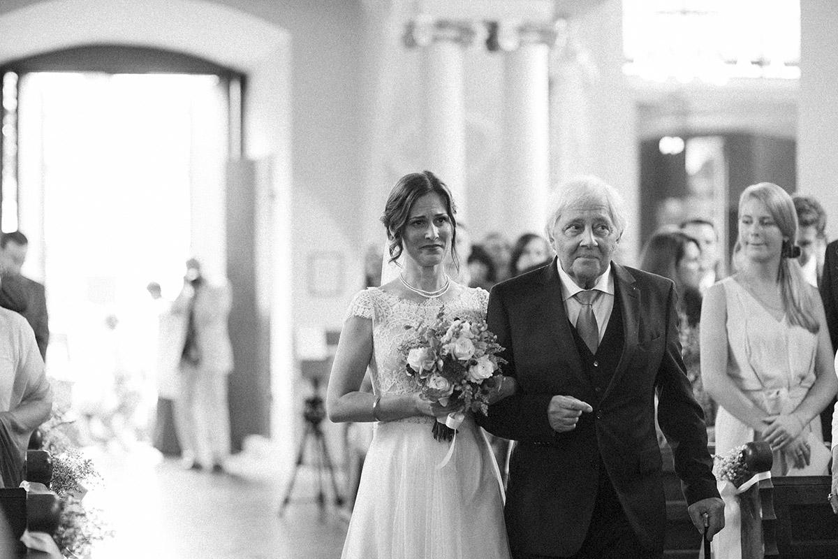 Emotionale Hochzeitsreportage auch aus der Kirche