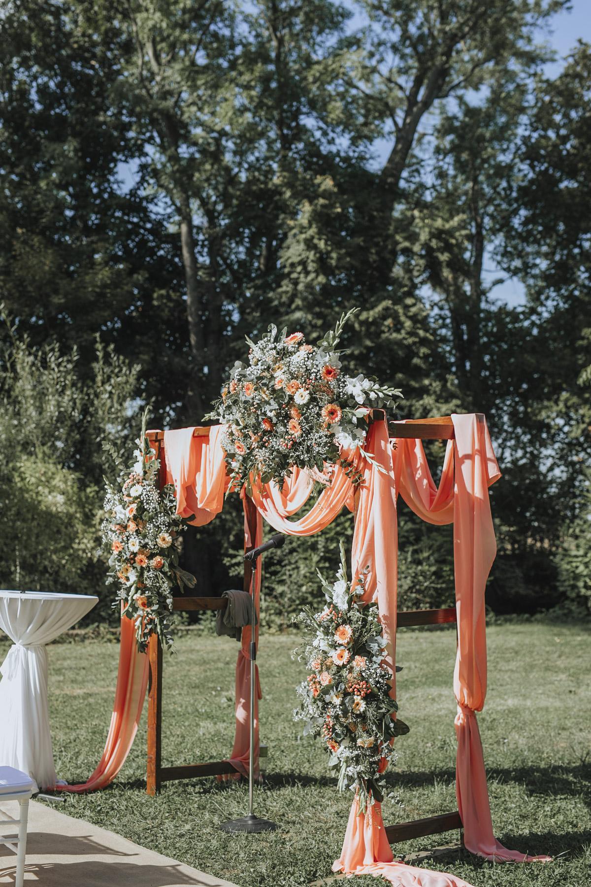 Anne und Sven | Hochzeit mit freier Trauung auf der Wasserburg Geretzhoven - Fotografin Guelten Hamidanoglu Fotografie Koeln AS 19 109