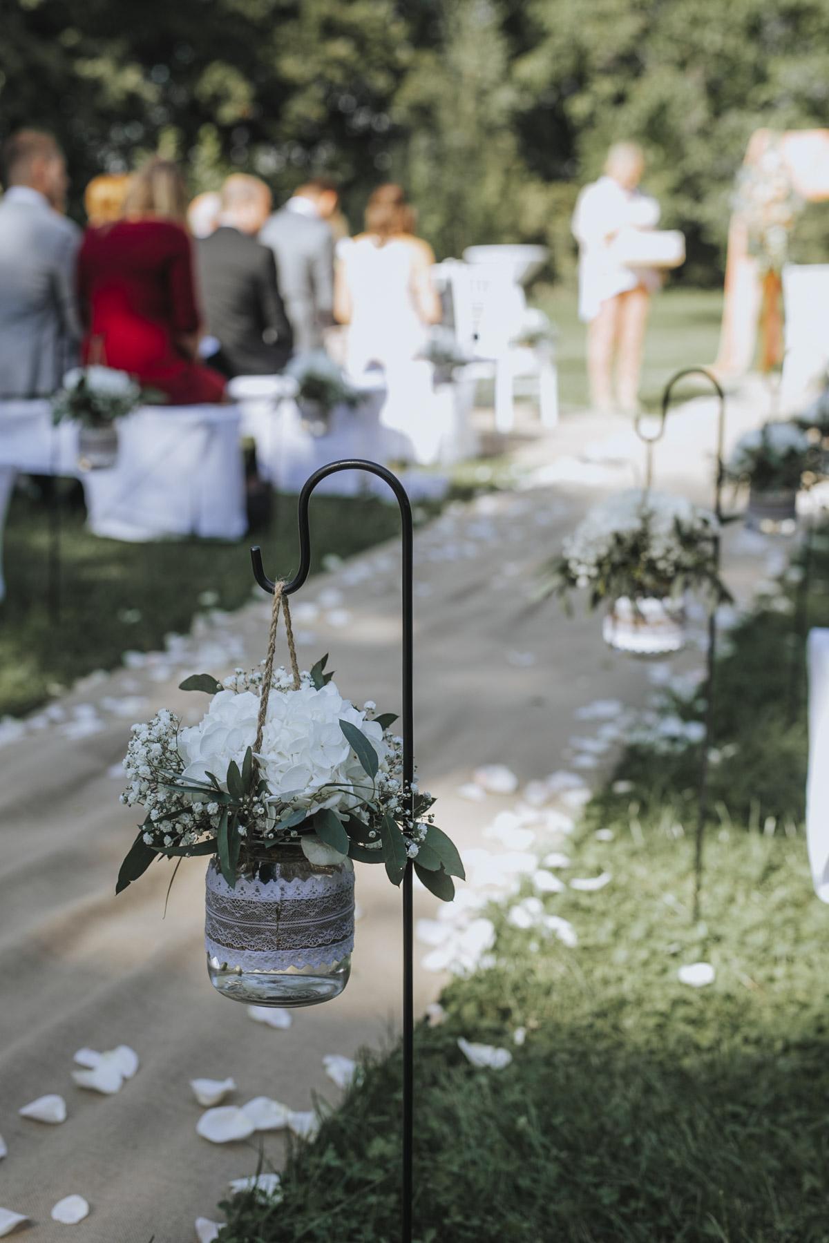 Anne und Sven | Hochzeit mit freier Trauung auf der Wasserburg Geretzhoven - Fotografin Guelten Hamidanoglu Fotografie Koeln AS 19 113