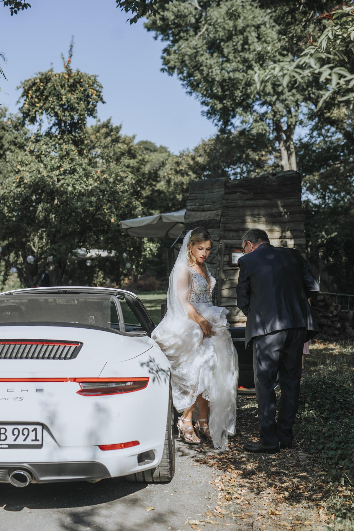 Anne und Sven | Hochzeit mit freier Trauung auf der Wasserburg Geretzhoven - Fotografin Guelten Hamidanoglu Fotografie Koeln AS 19 124