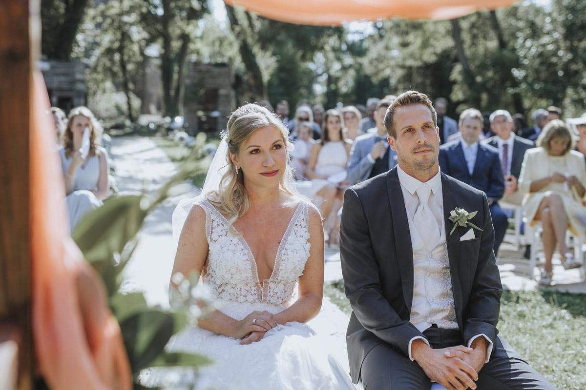 Anne und Sven | Hochzeit mit freier Trauung auf der Wasserburg Geretzhoven - Fotografin Guelten Hamidanoglu Fotografie Koeln AS 19 140