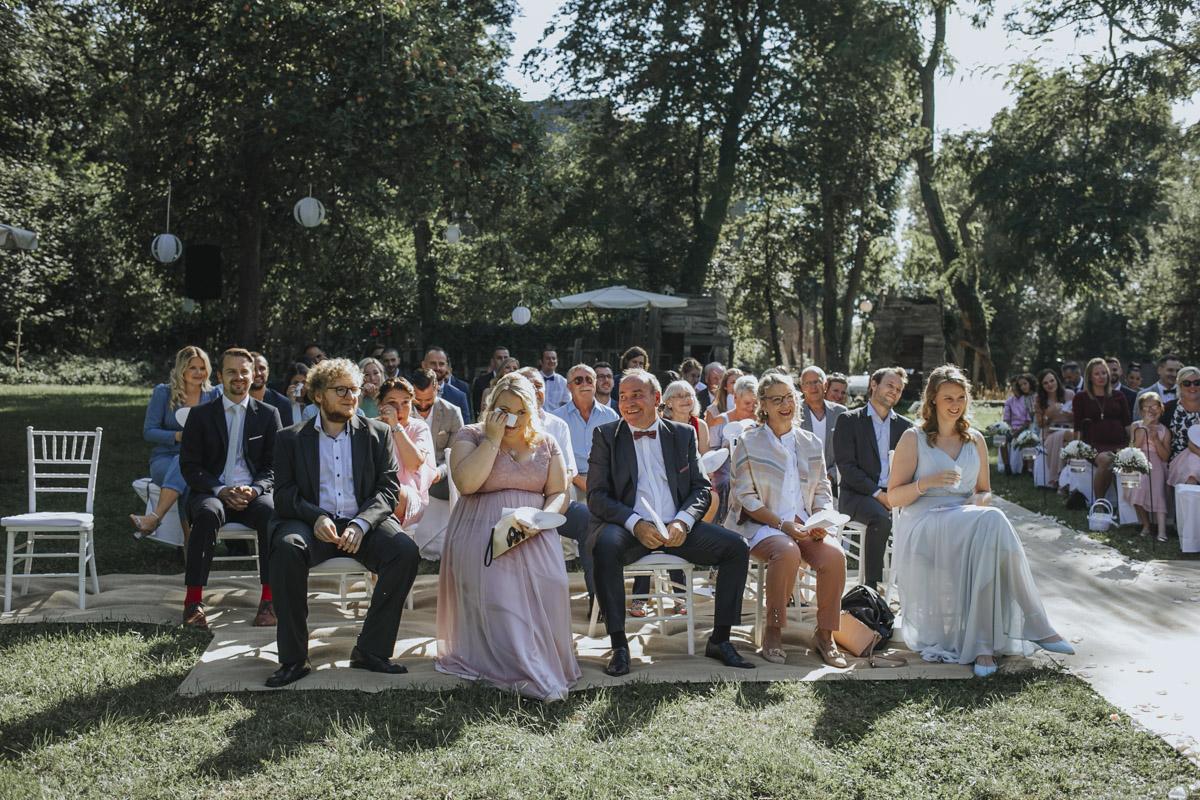Anne und Sven | Hochzeit mit freier Trauung auf der Wasserburg Geretzhoven - Fotografin Guelten Hamidanoglu Fotografie Koeln AS 19 160