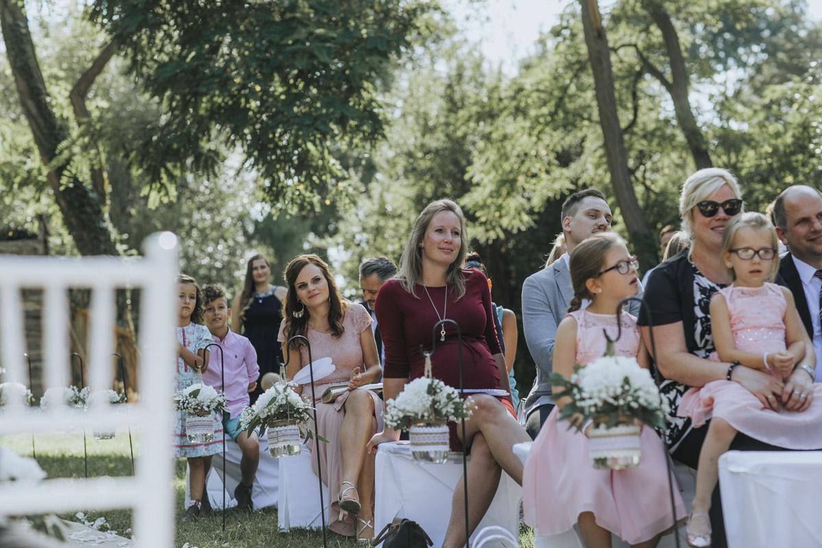 Anne und Sven | Hochzeit mit freier Trauung auf der Wasserburg Geretzhoven - Fotografin Guelten Hamidanoglu Fotografie Koeln AS 19 188
