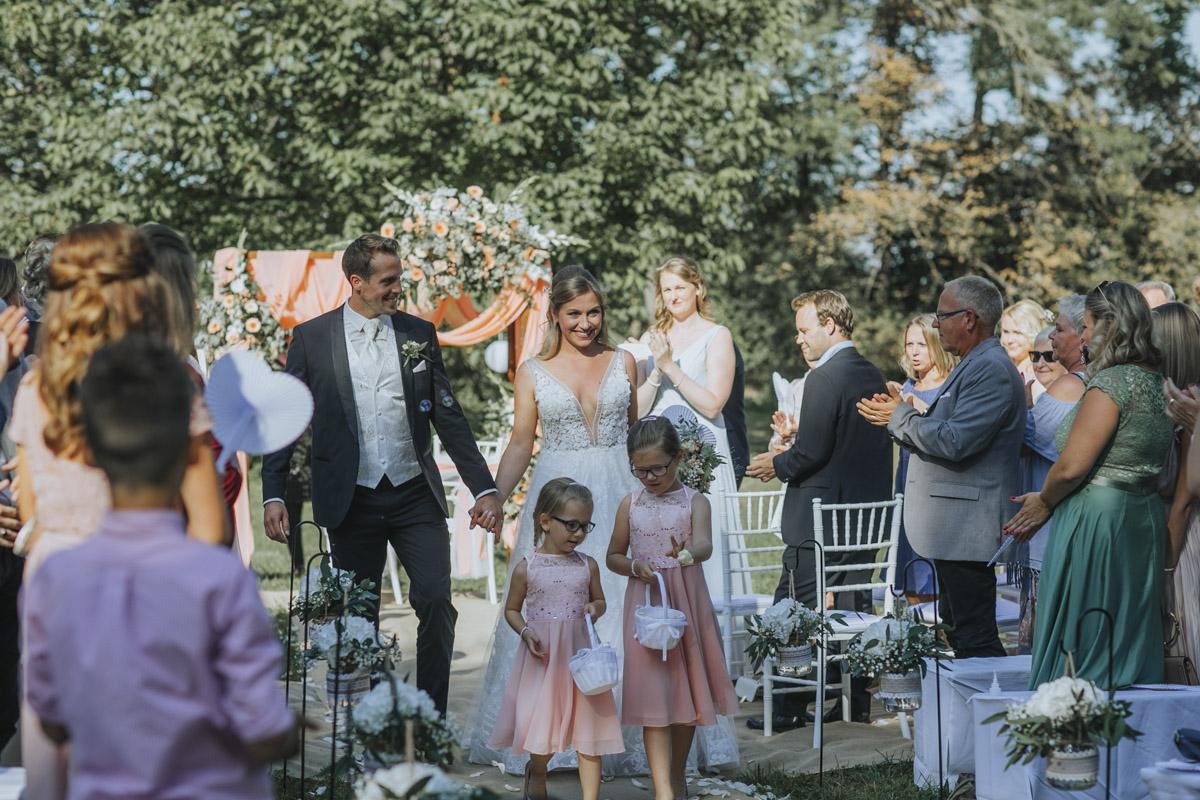 Anne und Sven | Hochzeit mit freier Trauung auf der Wasserburg Geretzhoven - Fotografin Guelten Hamidanoglu Fotografie Koeln AS 19 228