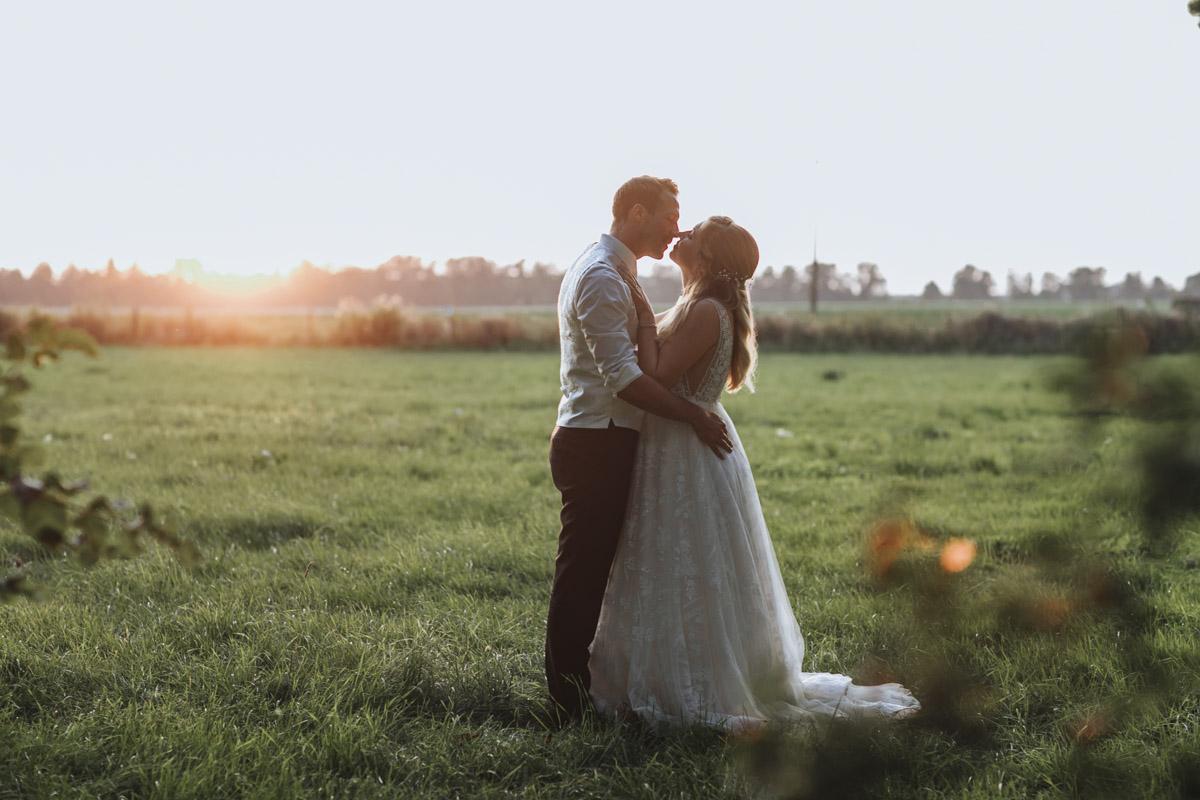 Anne und Sven | Hochzeit mit freier Trauung auf der Wasserburg Geretzhoven - Fotografin Guelten Hamidanoglu Fotografie Koeln AS 19 544