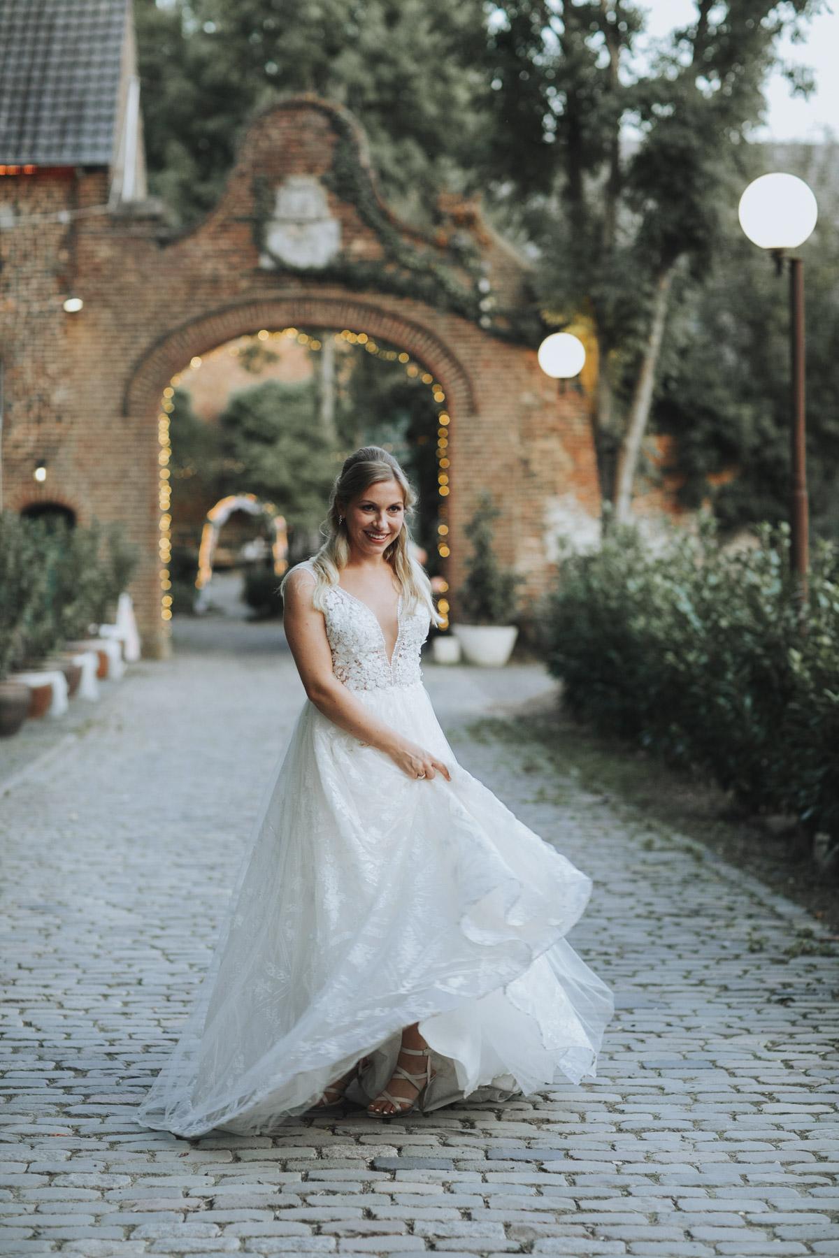 Anne und Sven | Hochzeit mit freier Trauung auf der Wasserburg Geretzhoven - Fotografin Guelten Hamidanoglu Fotografie Koeln AS 19 571
