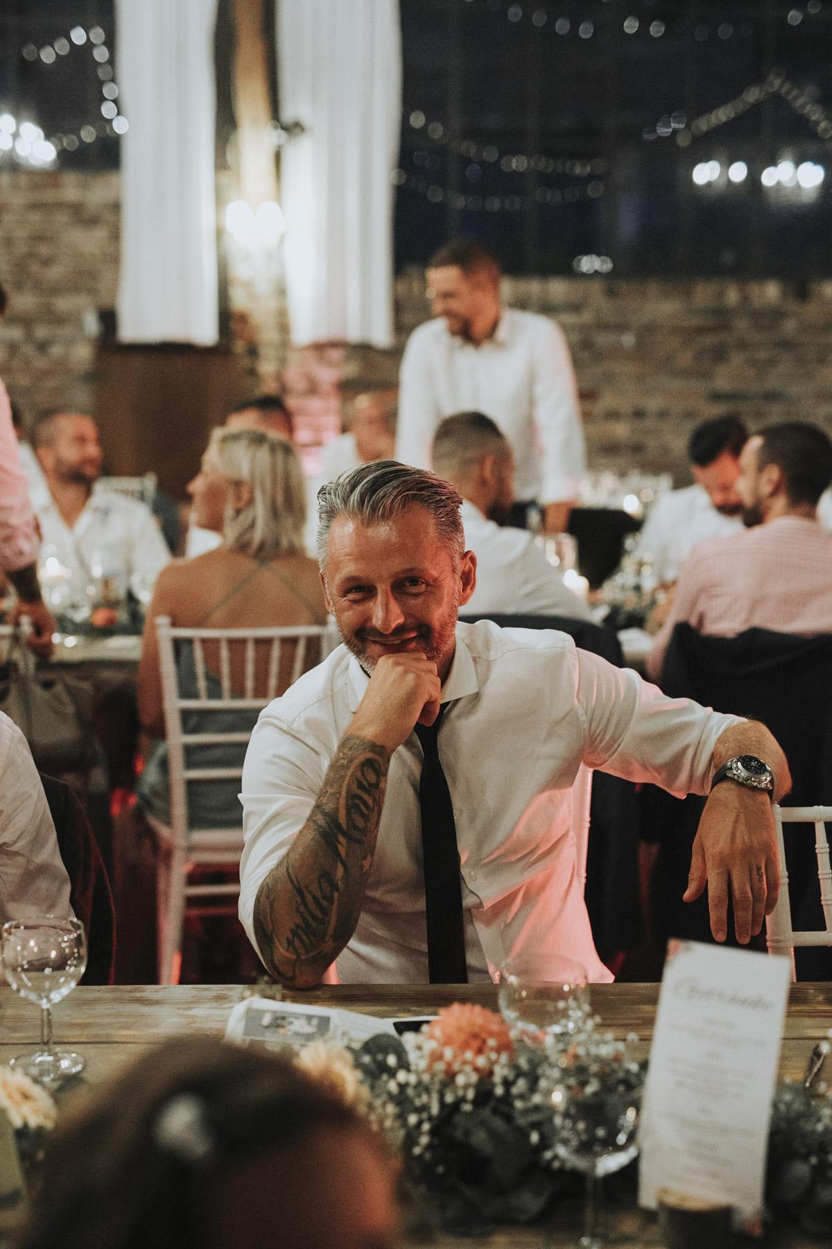 Anne und Sven | Hochzeit mit freier Trauung auf der Wasserburg Geretzhoven - Fotografin Guelten Hamidanoglu Fotografie Koeln AS 19 594