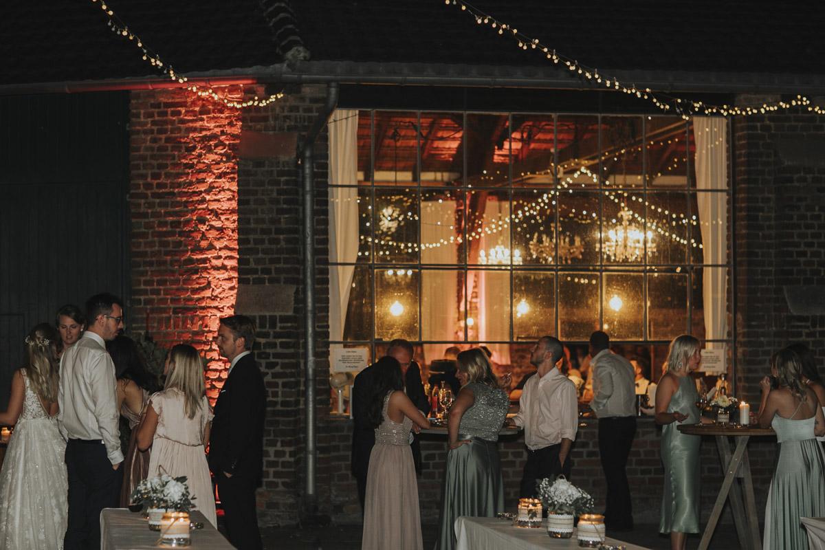 Anne und Sven | Hochzeit mit freier Trauung auf der Wasserburg Geretzhoven - Fotografin Guelten Hamidanoglu Fotografie Koeln AS 19 607
