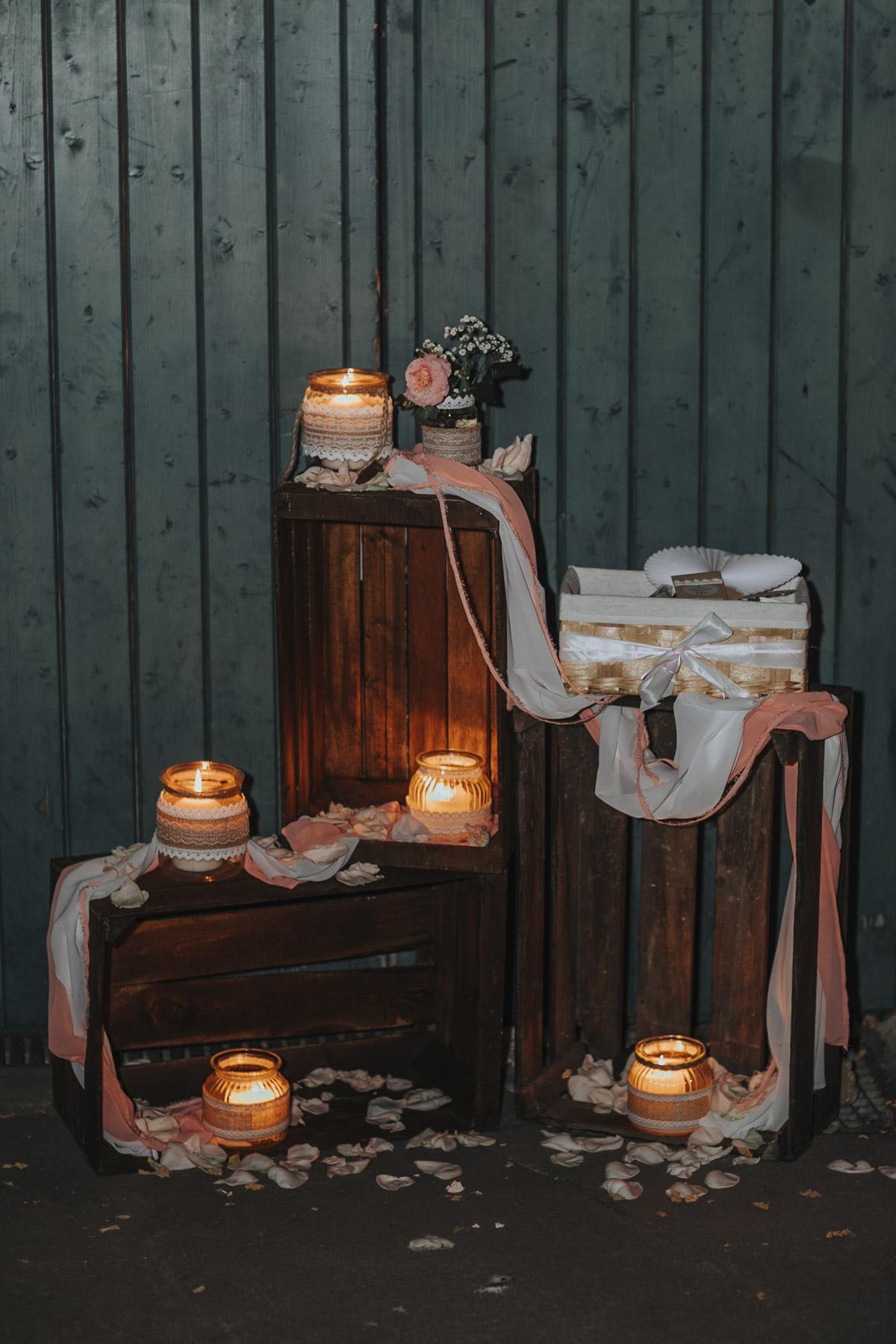 Anne und Sven | Hochzeit mit freier Trauung auf der Wasserburg Geretzhoven - Fotografin Guelten Hamidanoglu Fotografie Koeln AS 19 610