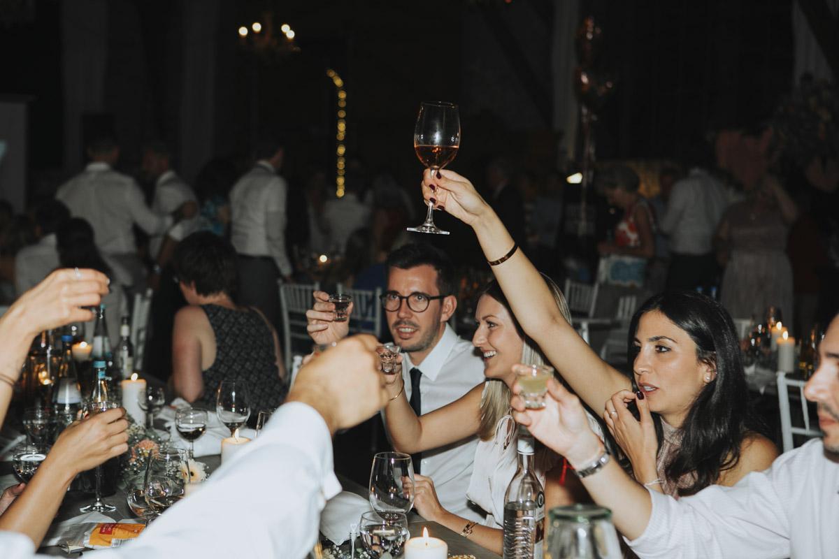 Anne und Sven | Hochzeit mit freier Trauung auf der Wasserburg Geretzhoven - Fotografin Guelten Hamidanoglu Fotografie Koeln AS 19 633