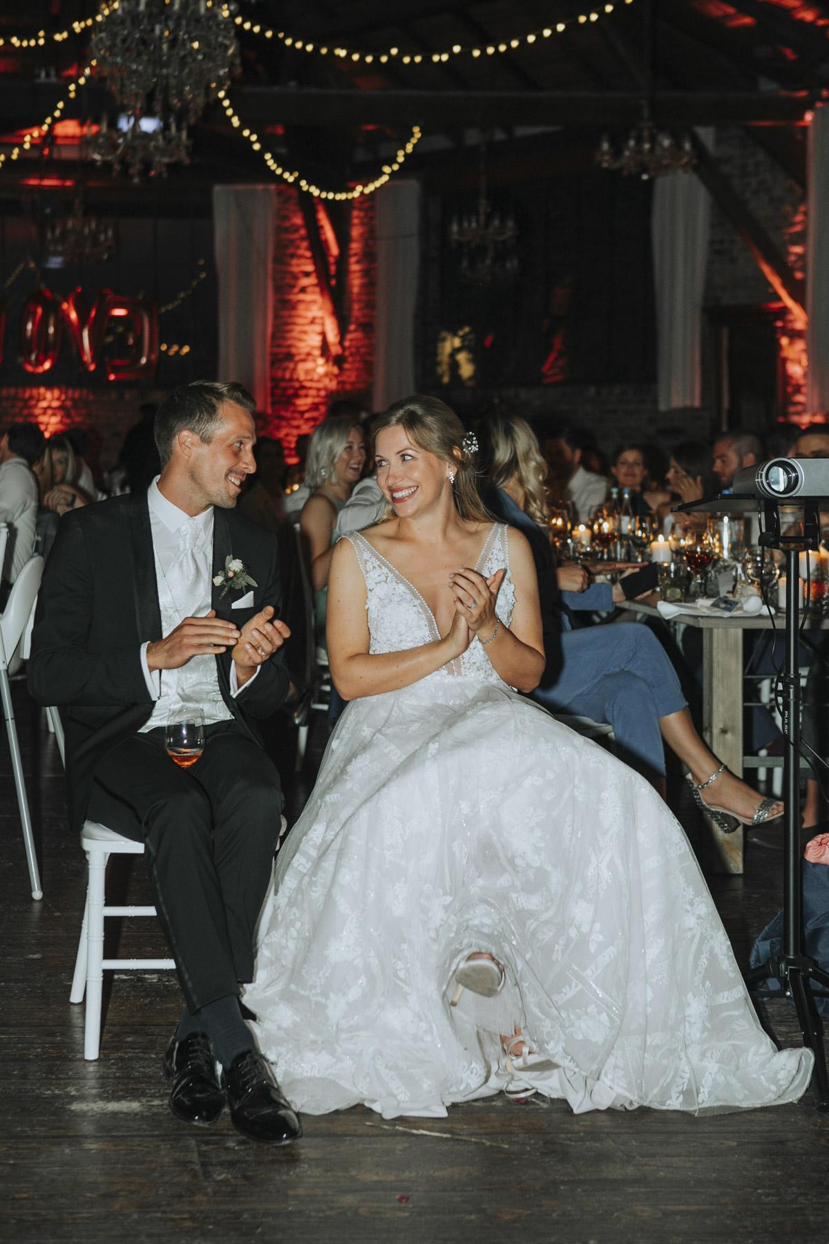 Anne und Sven | Hochzeit mit freier Trauung auf der Wasserburg Geretzhoven - Fotografin Guelten Hamidanoglu Fotografie Koeln AS 19 635
