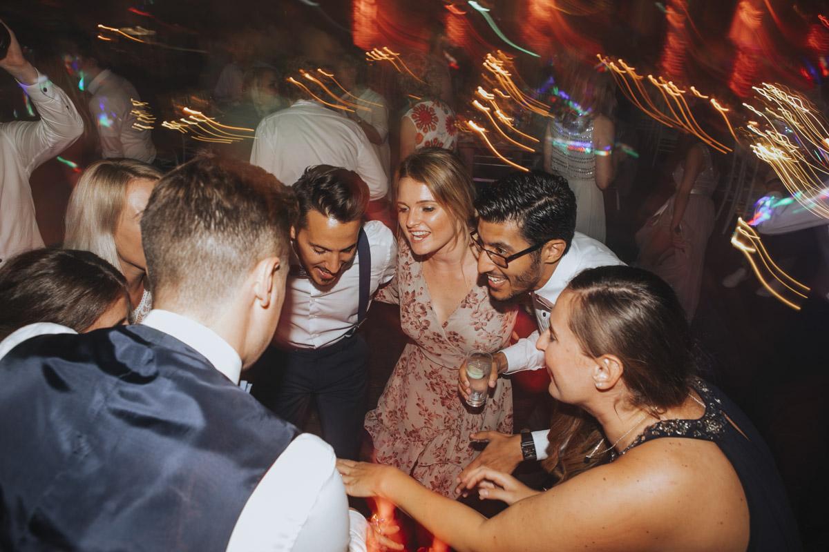 Anne und Sven | Hochzeit mit freier Trauung auf der Wasserburg Geretzhoven - Fotografin Guelten Hamidanoglu Fotografie Koeln AS 19 799