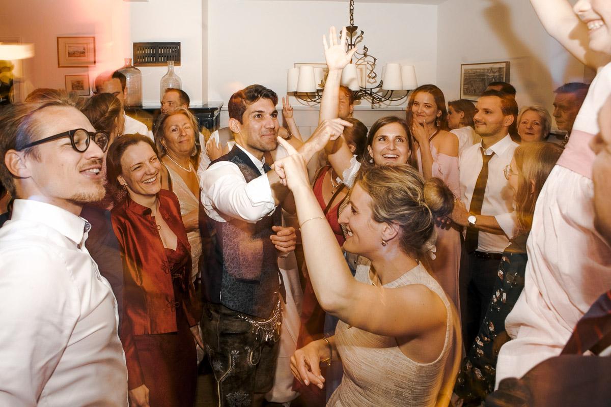 Barbara und Thorsten | Hochzeit am Starnenberger See - Fotografin Guelten Hamidanoglu Fotografie Koeln BT 19 1084