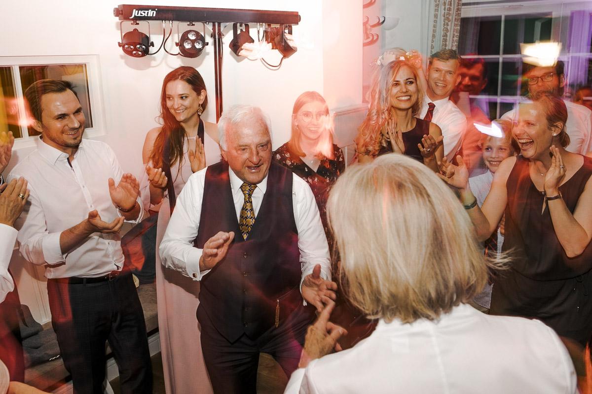 Barbara und Thorsten | Hochzeit am Starnenberger See - Fotografin Guelten Hamidanoglu Fotografie Koeln BT 19 1090