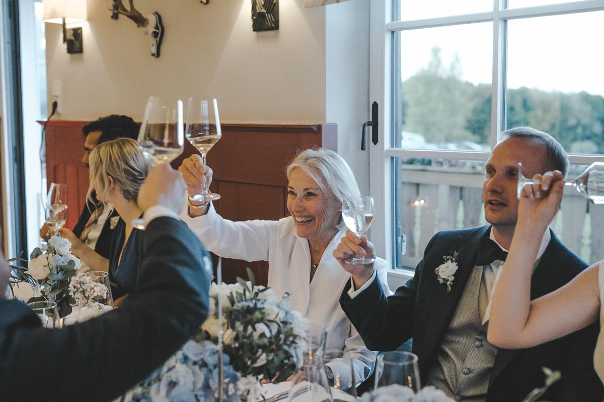 Barbara und Thorsten | Hochzeit am Starnenberger See - Fotografin Guelten Hamidanoglu Fotografie Koeln BT 19 991