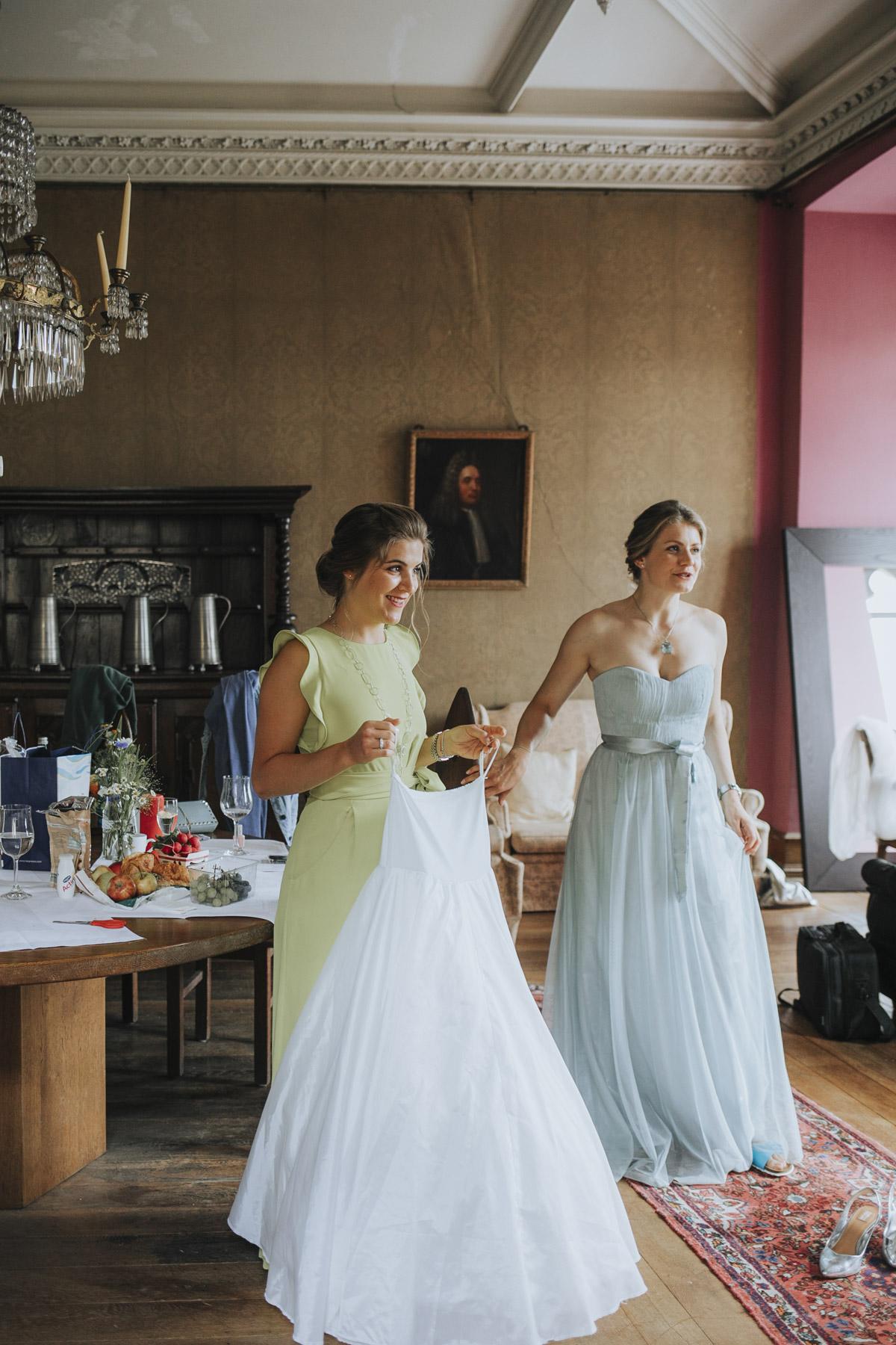 Fanny und Max | Hochzeit feiern auf Schloß Arenfels - Fotografin Guelten Hamidanoglu Fotografie Koeln FM 19 121