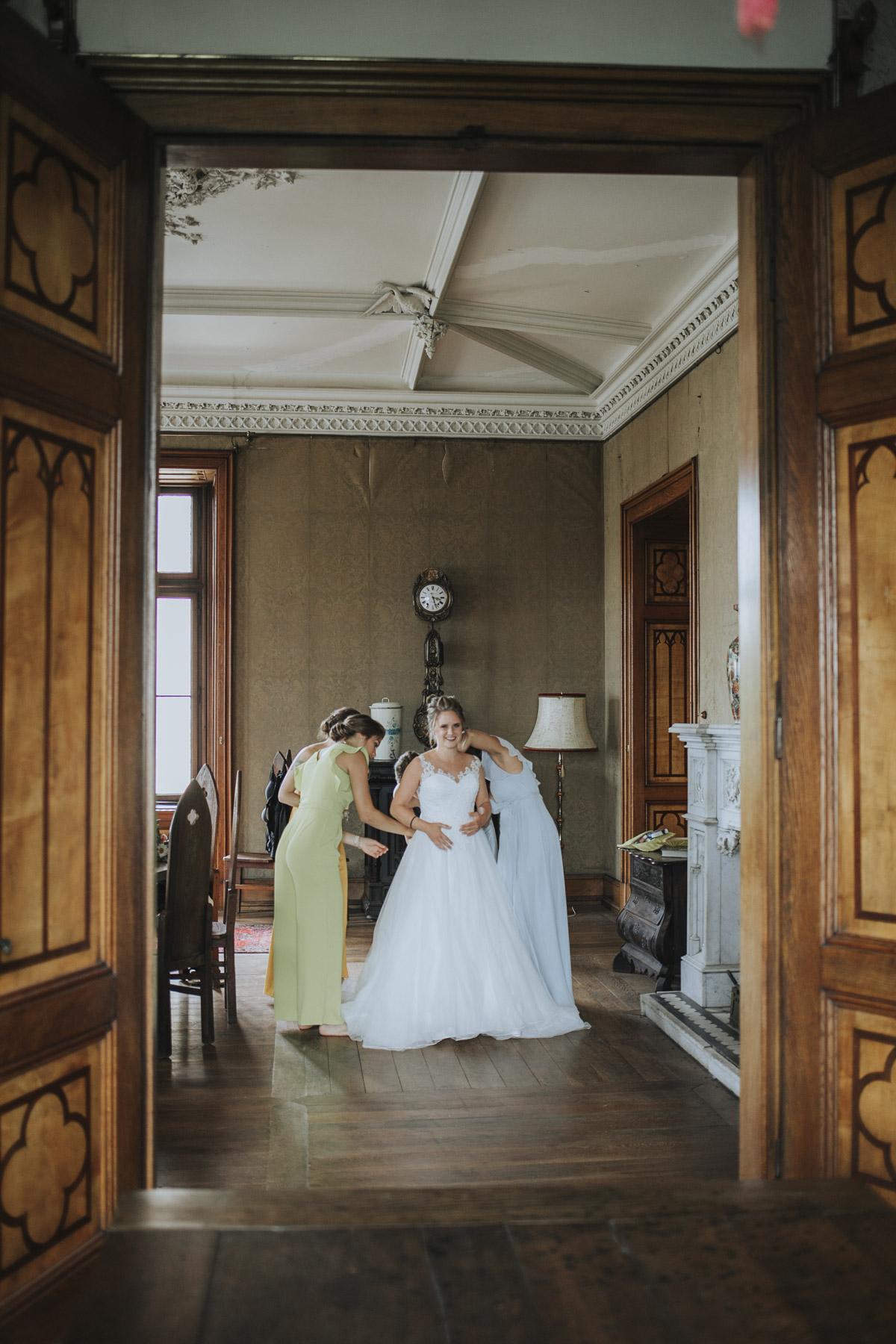 Fanny und Max | Hochzeit feiern auf Schloß Arenfels - Fotografin Guelten Hamidanoglu Fotografie Koeln FM 19 132