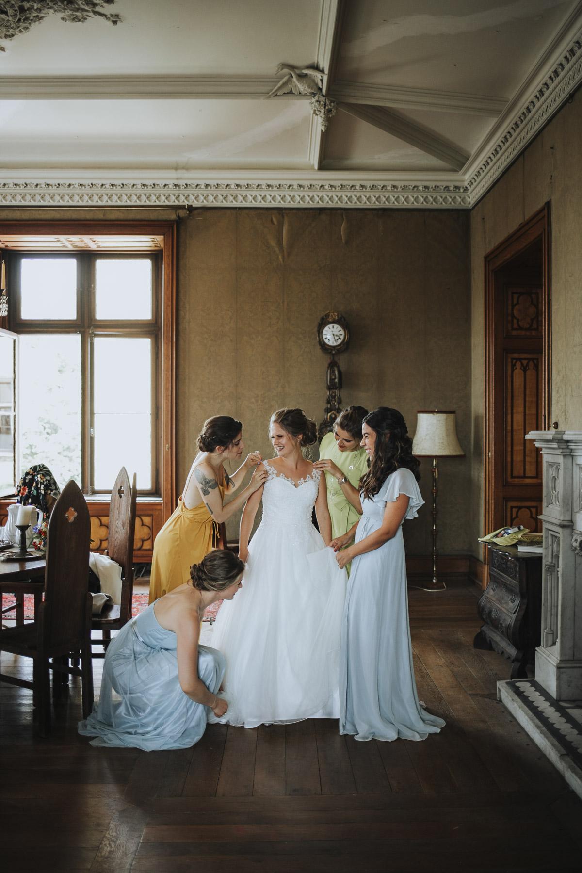 Fanny und Max | Hochzeit feiern auf Schloß Arenfels - Fotografin Guelten Hamidanoglu Fotografie Koeln FM 19 135