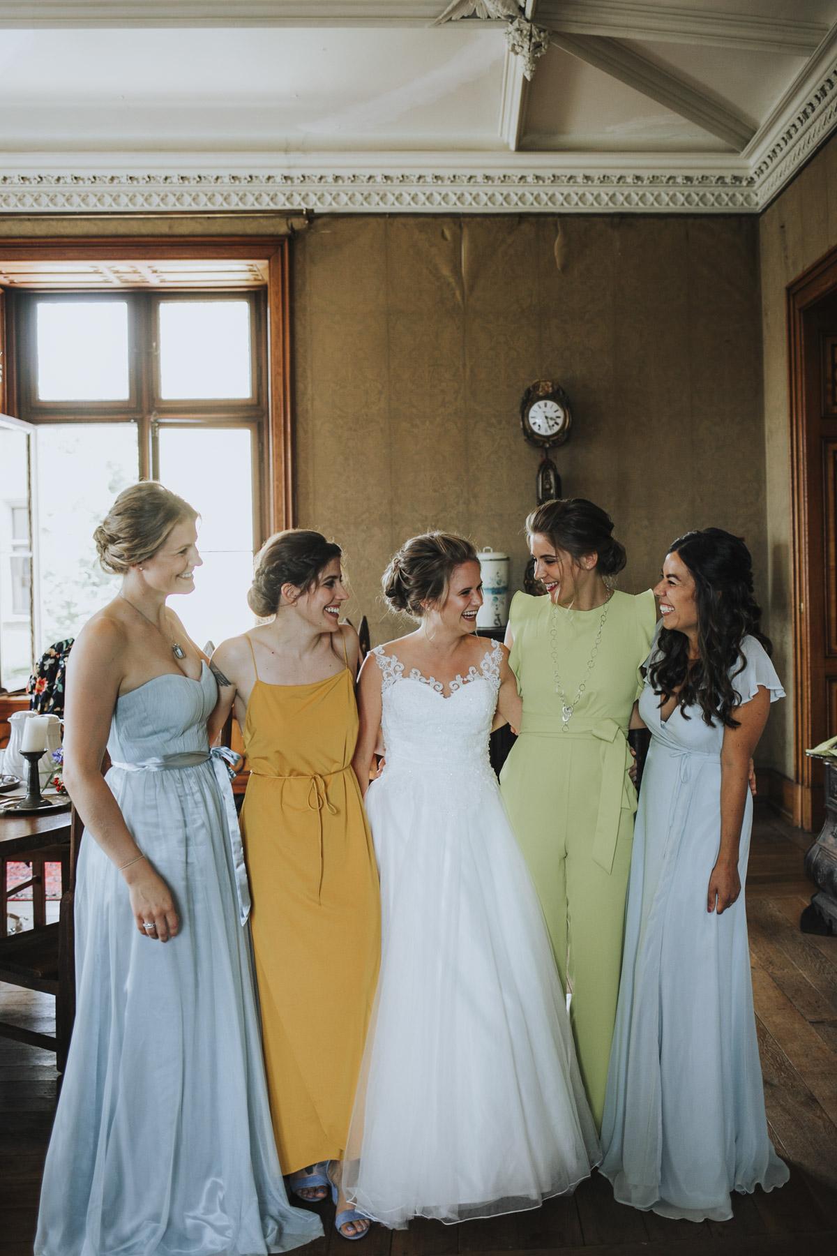 Fanny und Max | Hochzeit feiern auf Schloß Arenfels - Fotografin Guelten Hamidanoglu Fotografie Koeln FM 19 139
