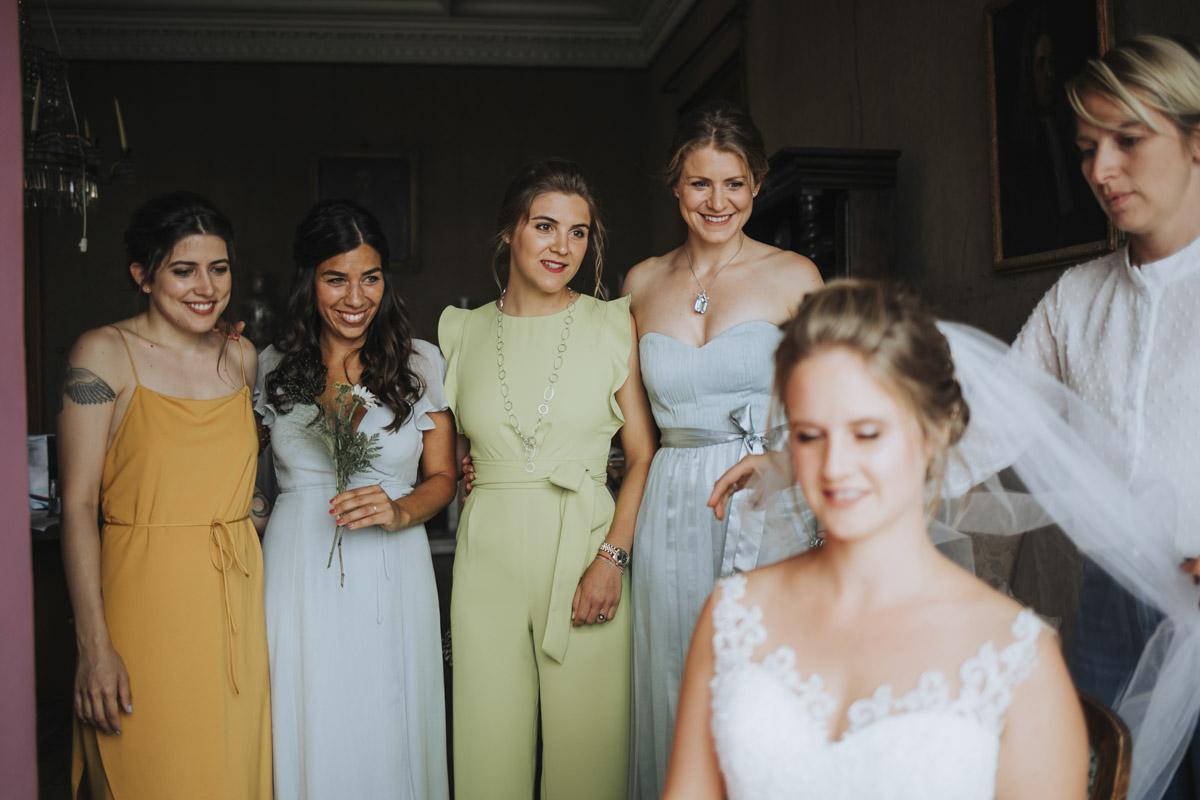 Fanny und Max | Hochzeit feiern auf Schloß Arenfels - Fotografin Guelten Hamidanoglu Fotografie Koeln FM 19 146