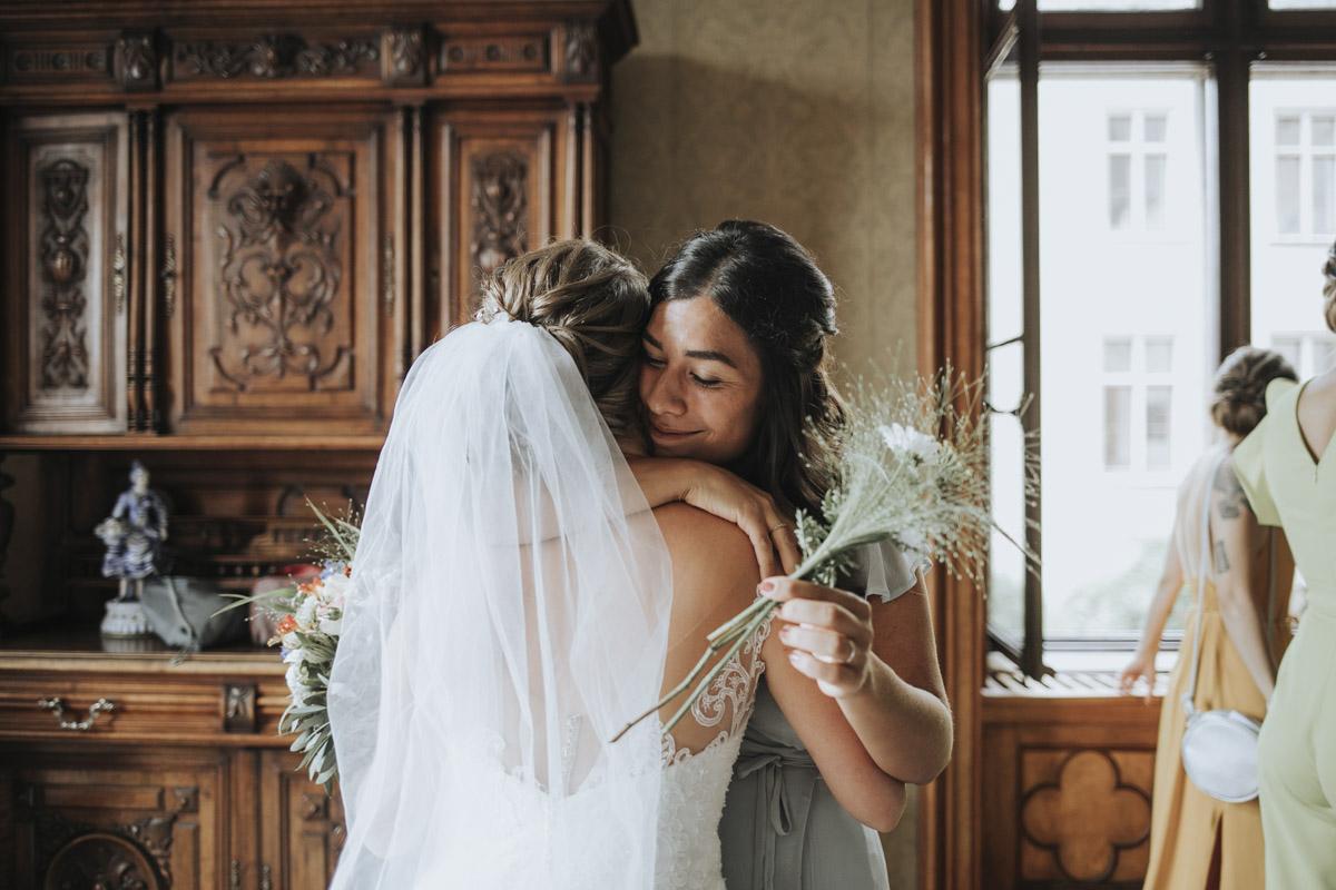 Fanny und Max | Hochzeit feiern auf Schloß Arenfels - Fotografin Guelten Hamidanoglu Fotografie Koeln FM 19 156