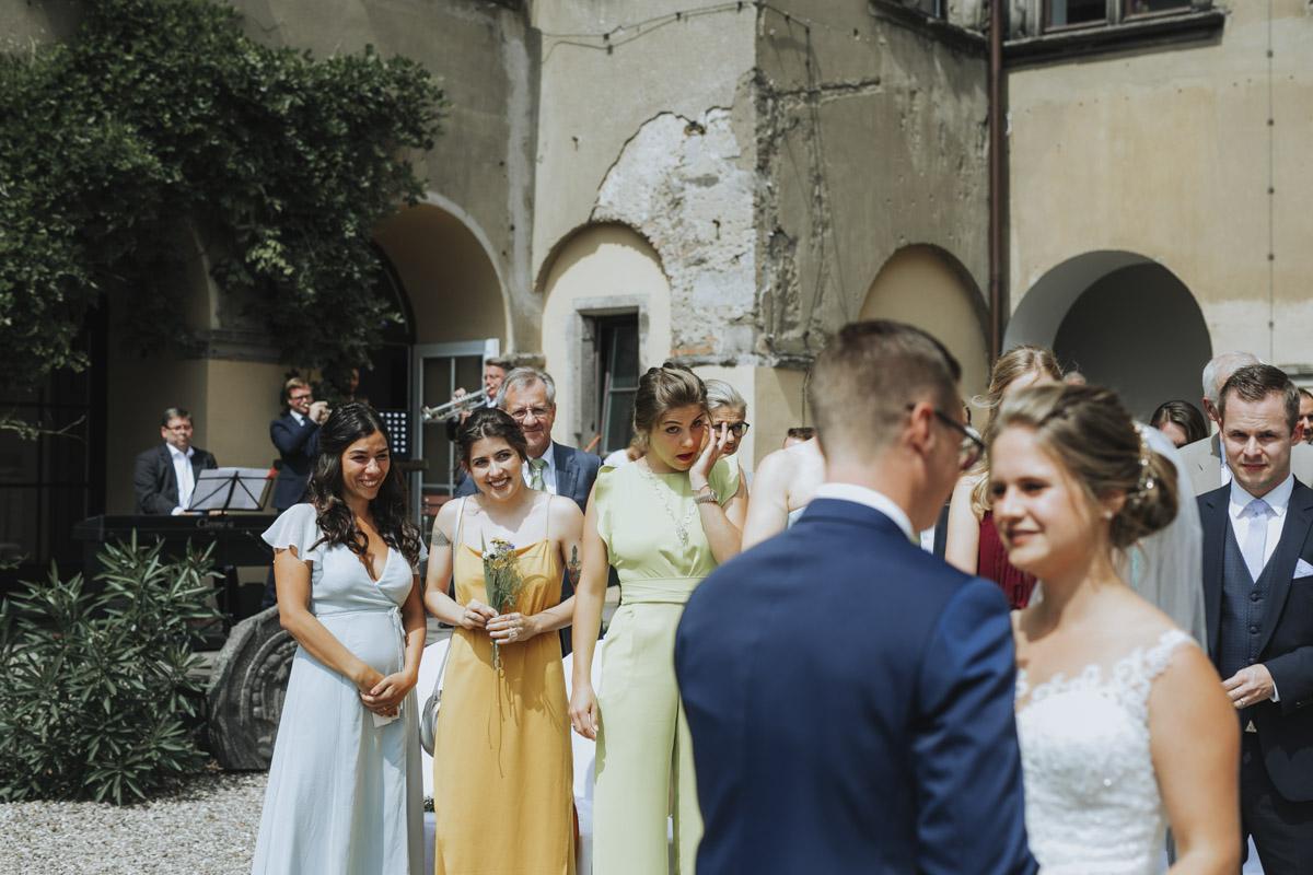 Fanny und Max | Hochzeit feiern auf Schloß Arenfels - Fotografin Guelten Hamidanoglu Fotografie Koeln FM 19 186
