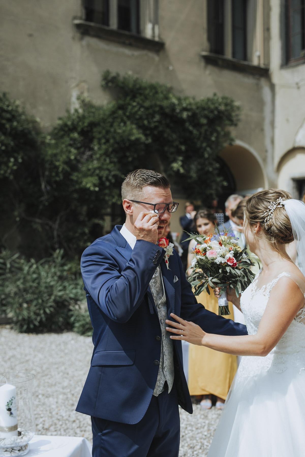 Fanny und Max | Hochzeit feiern auf Schloß Arenfels - Fotografin Guelten Hamidanoglu Fotografie Koeln FM 19 190