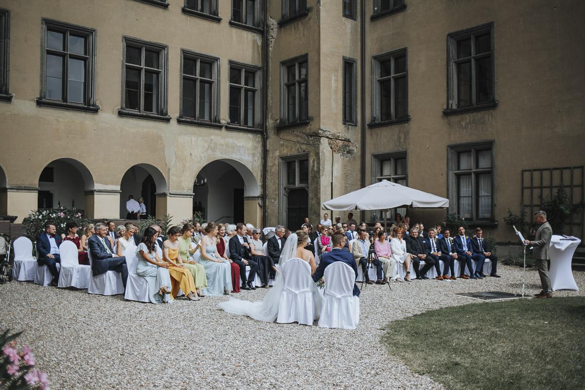 Fanny und Max | Hochzeit feiern auf Schloß Arenfels - Fotografin Guelten Hamidanoglu Fotografie Koeln FM 19 196