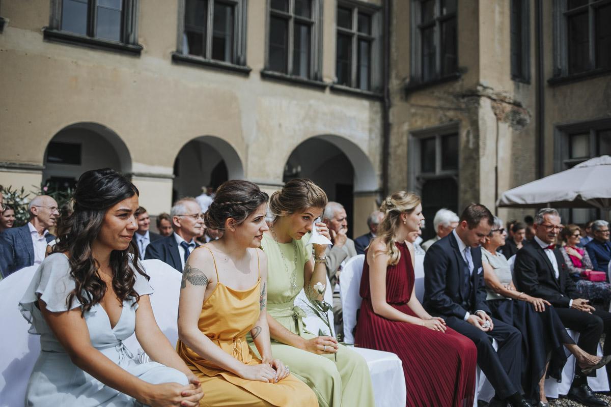 Fanny und Max | Hochzeit feiern auf Schloß Arenfels - Fotografin Guelten Hamidanoglu Fotografie Koeln FM 19 200